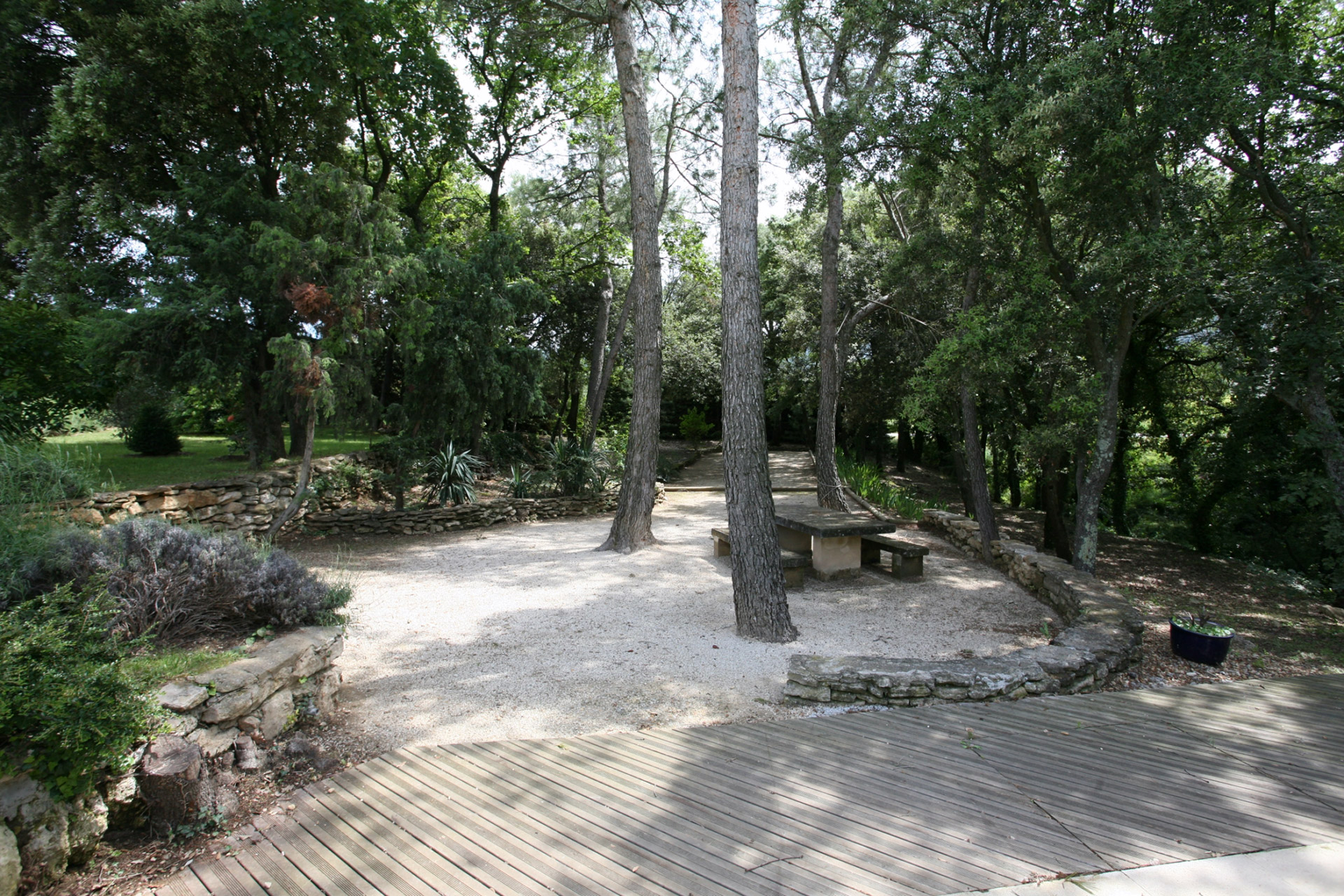 Belle villa en pleine verdure à vendre dans le Luberon