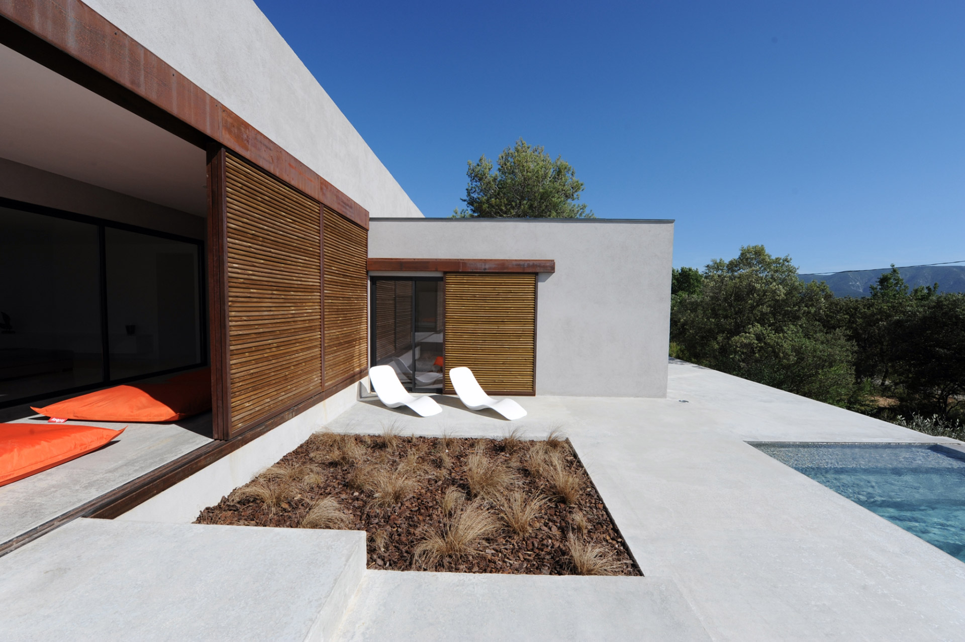 Maison contemporaine avec piscine à vendre en Luberon