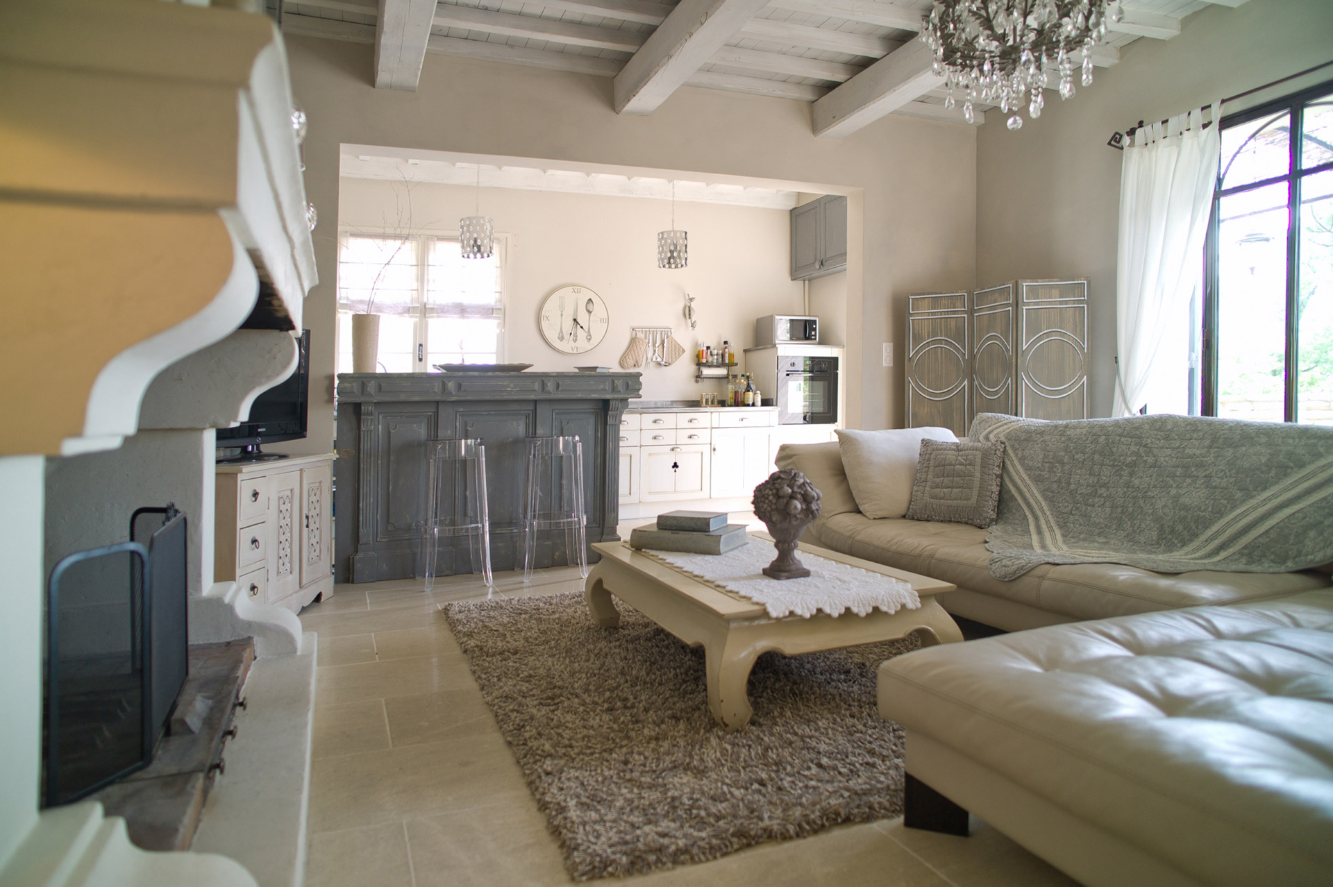 ventes a gordes en vente maison en pierre r nov e avec. Black Bedroom Furniture Sets. Home Design Ideas
