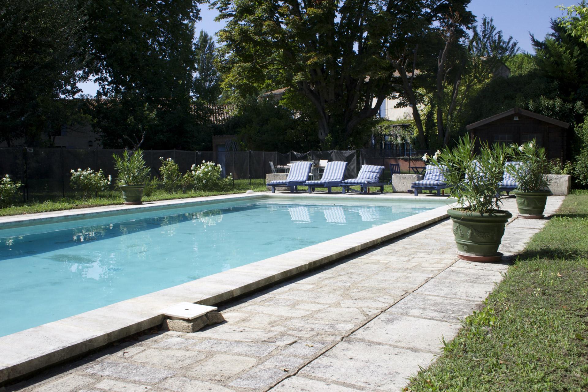 Mas rénové avec piscine à vendre aux portes du Luberon