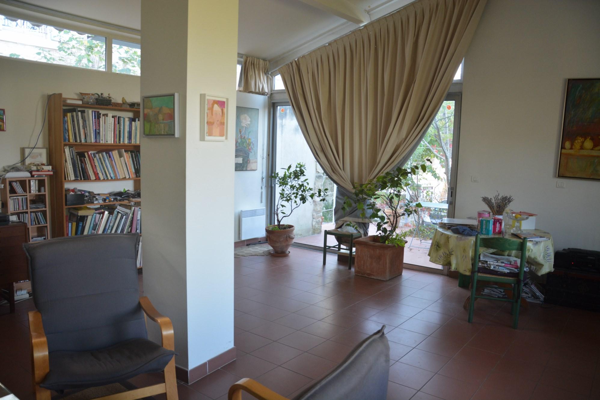 Intérieur de cette maison en viager occupé en Vaucluse