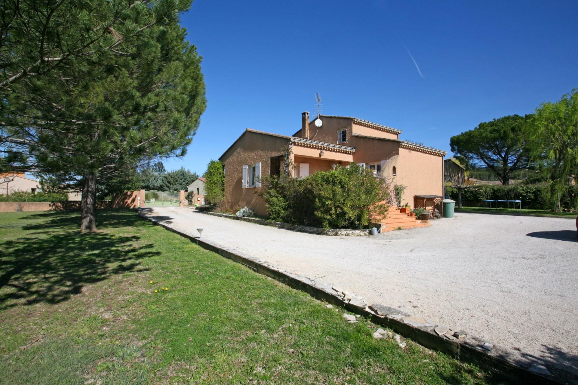 Villa avec terrasse à vendre par ROSIER