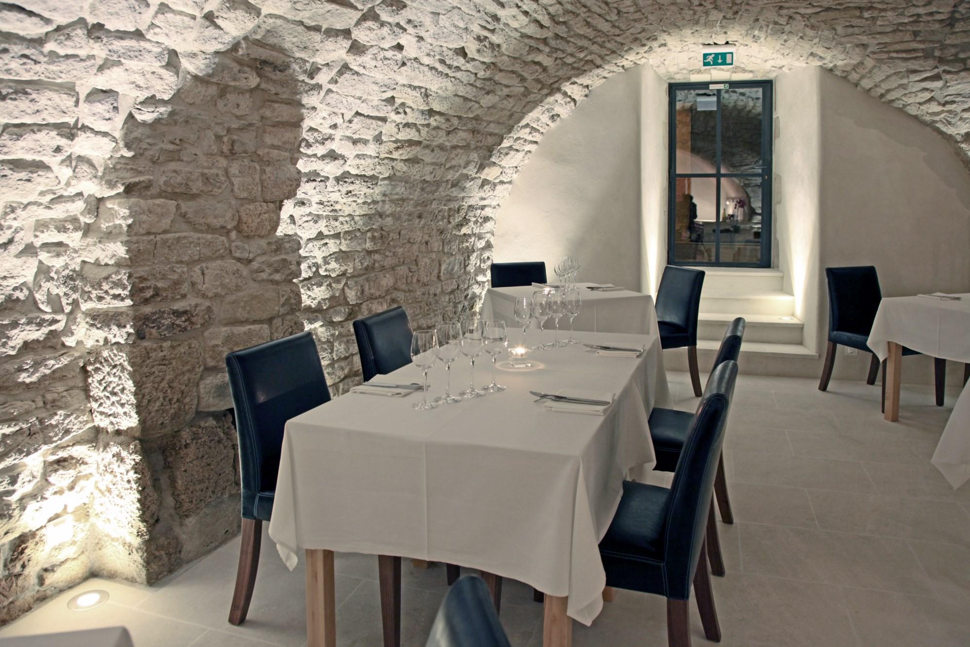 Maison de village rénovée à vendre en Luberon par ROSIER
