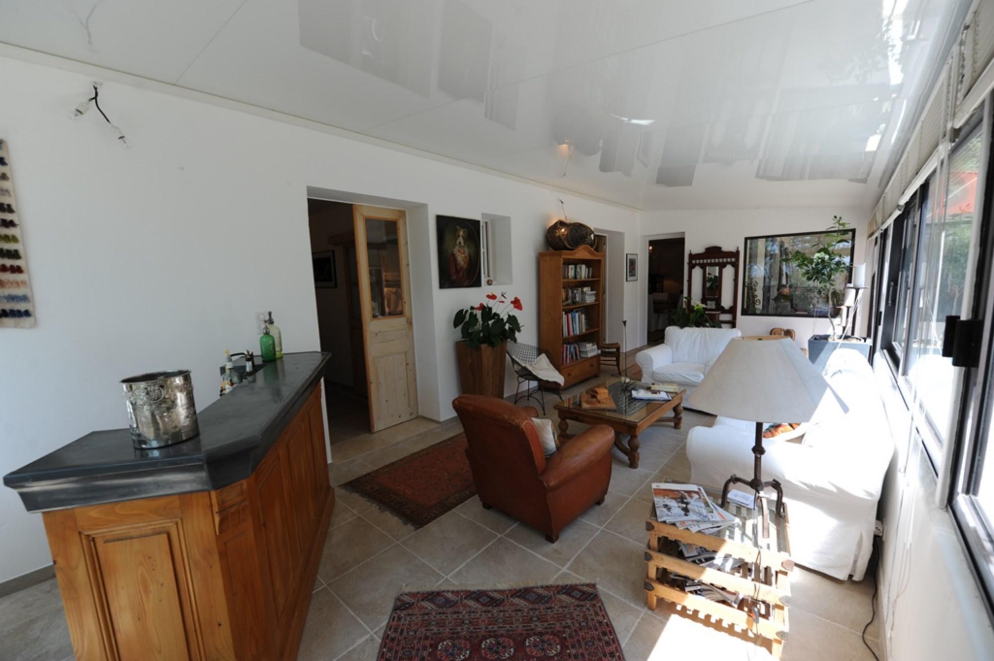 Provence, jolie villa à proximité du Golf de Saumane et de l'Isle sur la Sorgue