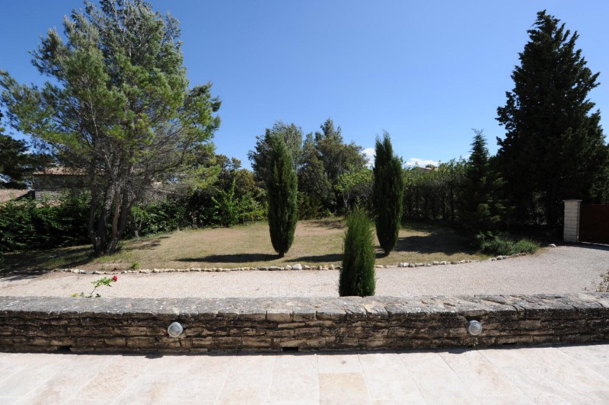 En Luberon, à vendre, belle maison traditionnelle avec piscine