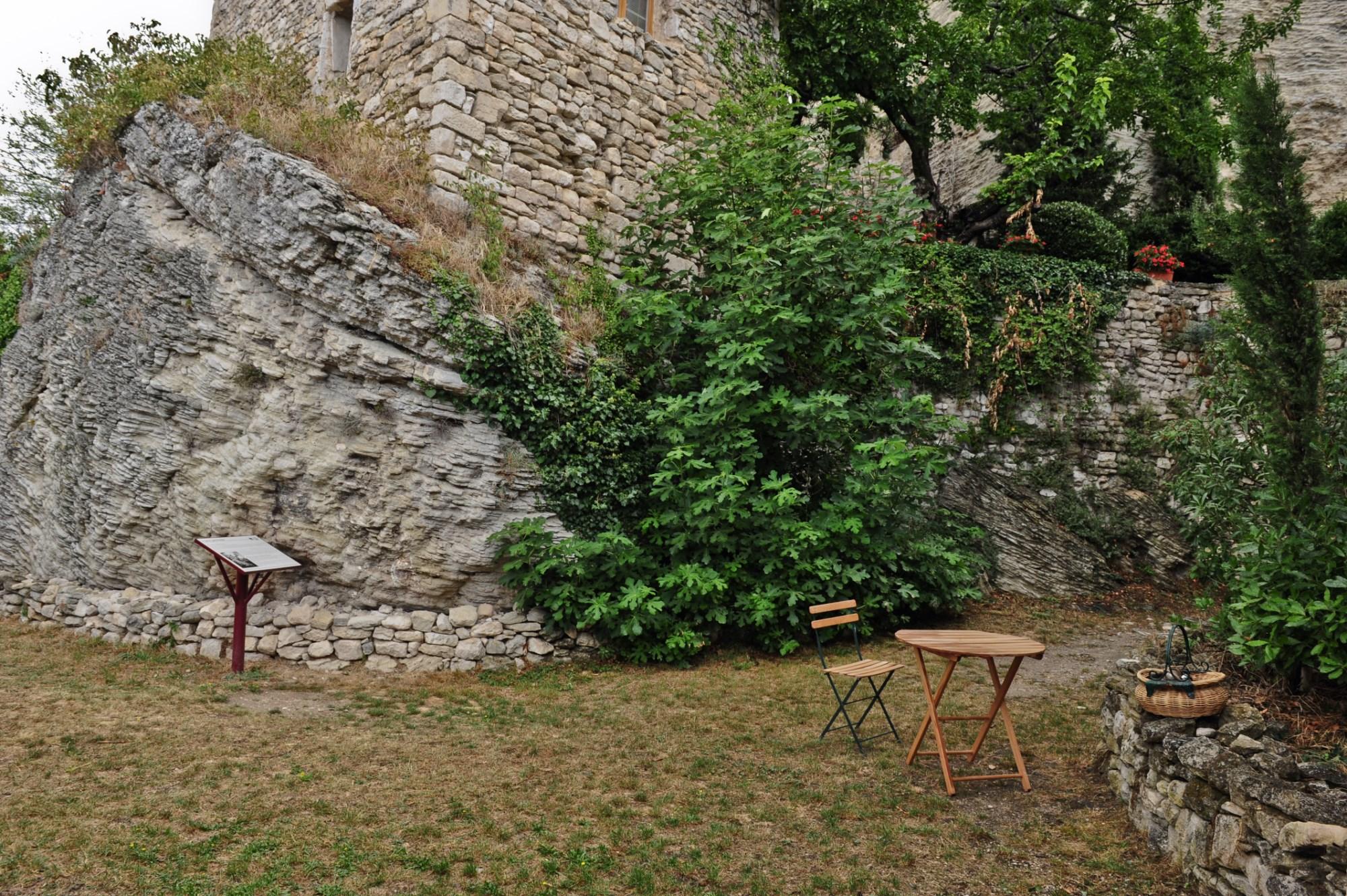 Proche Pernes les Fontaines, à vendre, agréable maison de village