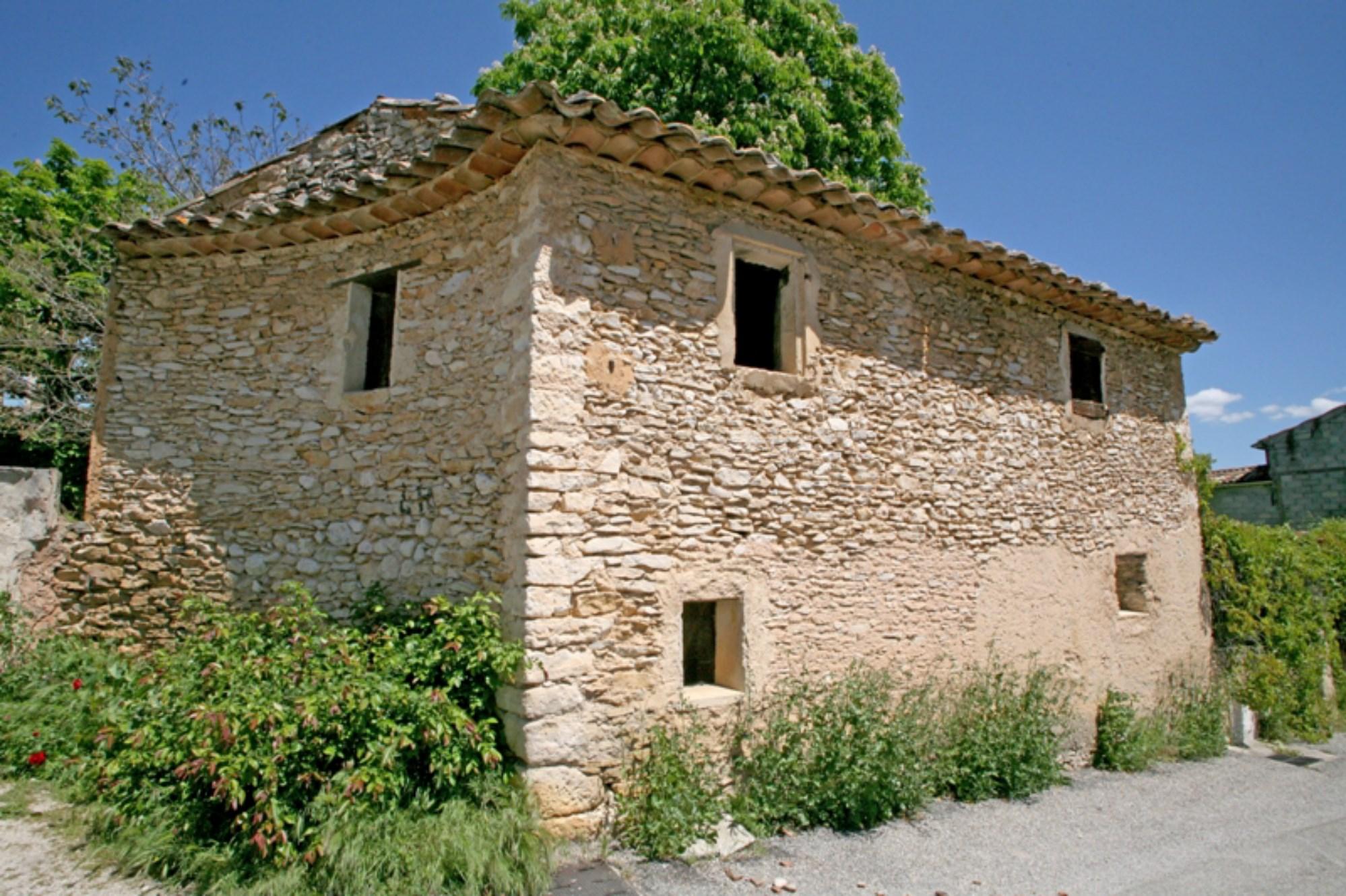 Maison bourgeoise à rénover à vendre en Luberon par ROSIER