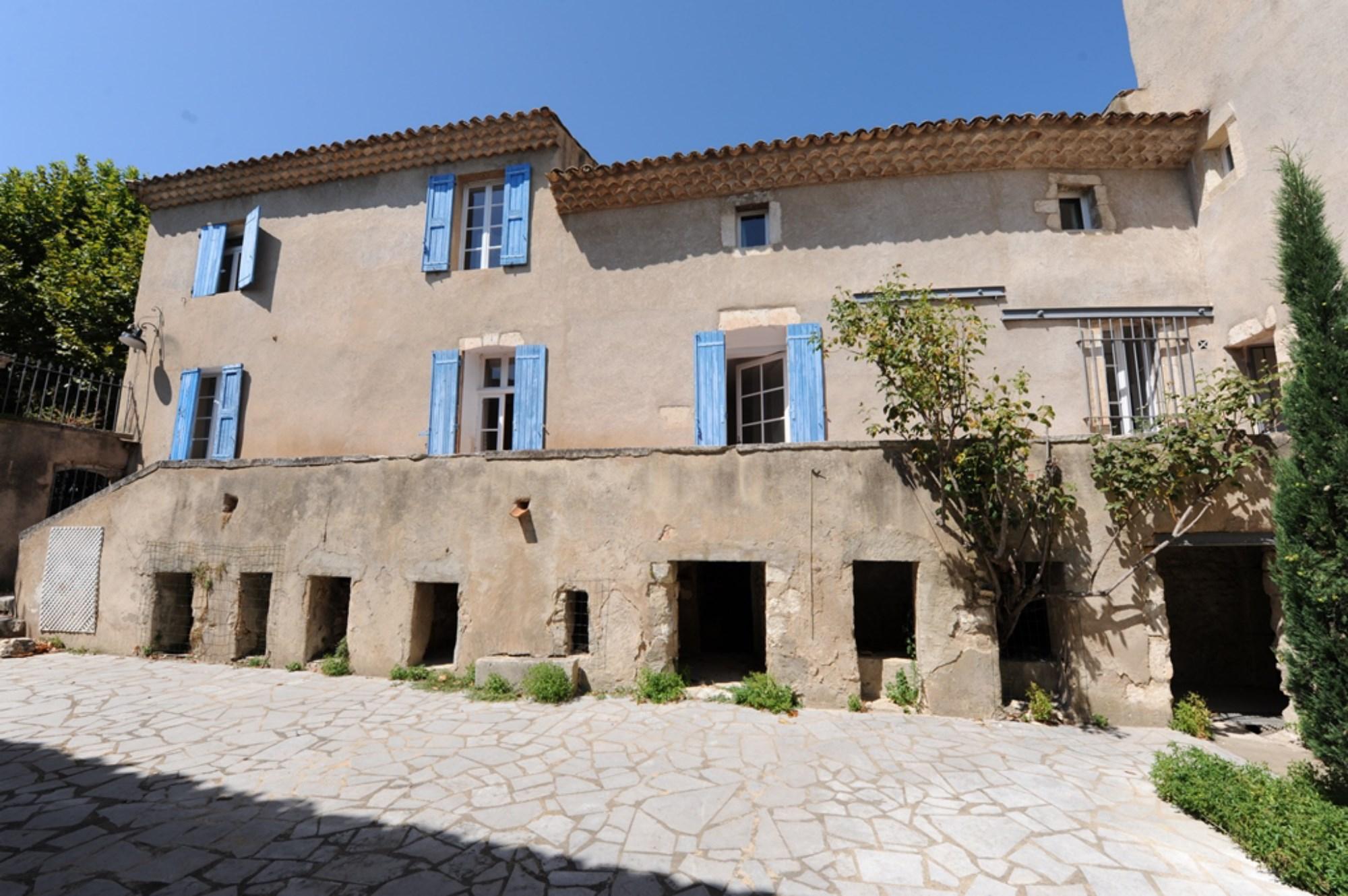 Propriété à rénover à la vente en Luberon