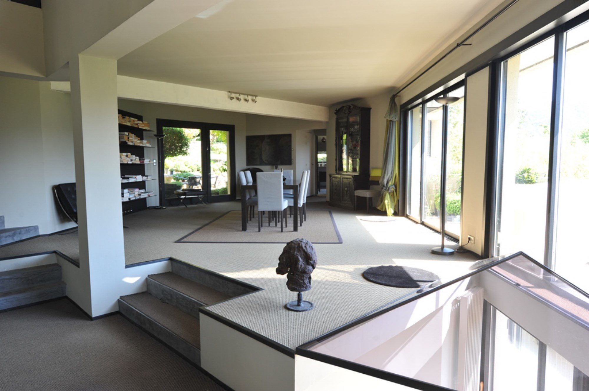 ventes en vente, en luberon, maison contemporaine avec terrasses ... - Photo De Maison Contemporaine