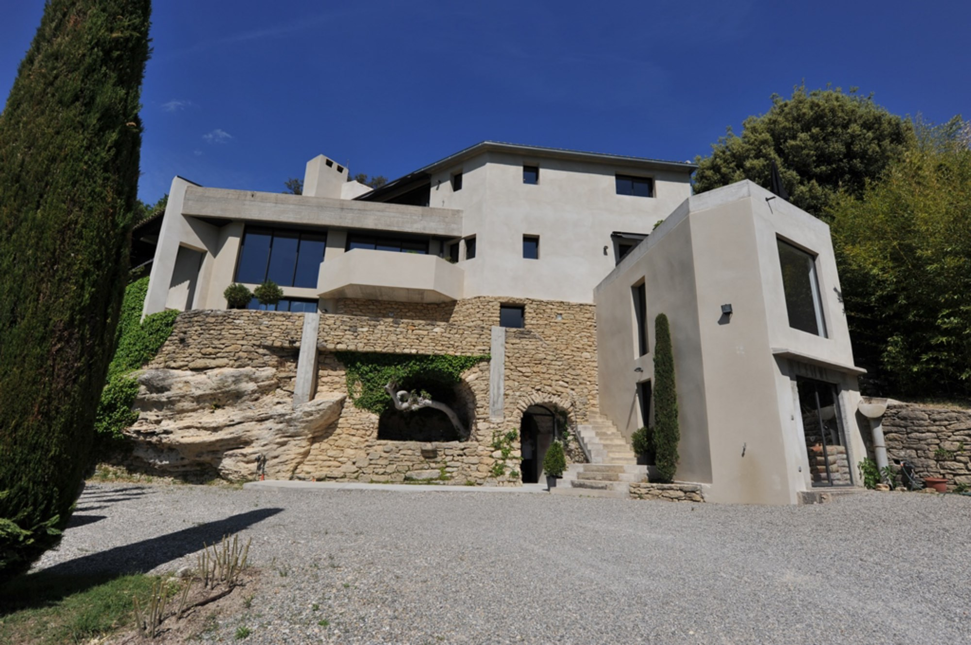 Maison contemporaine unique en Provence