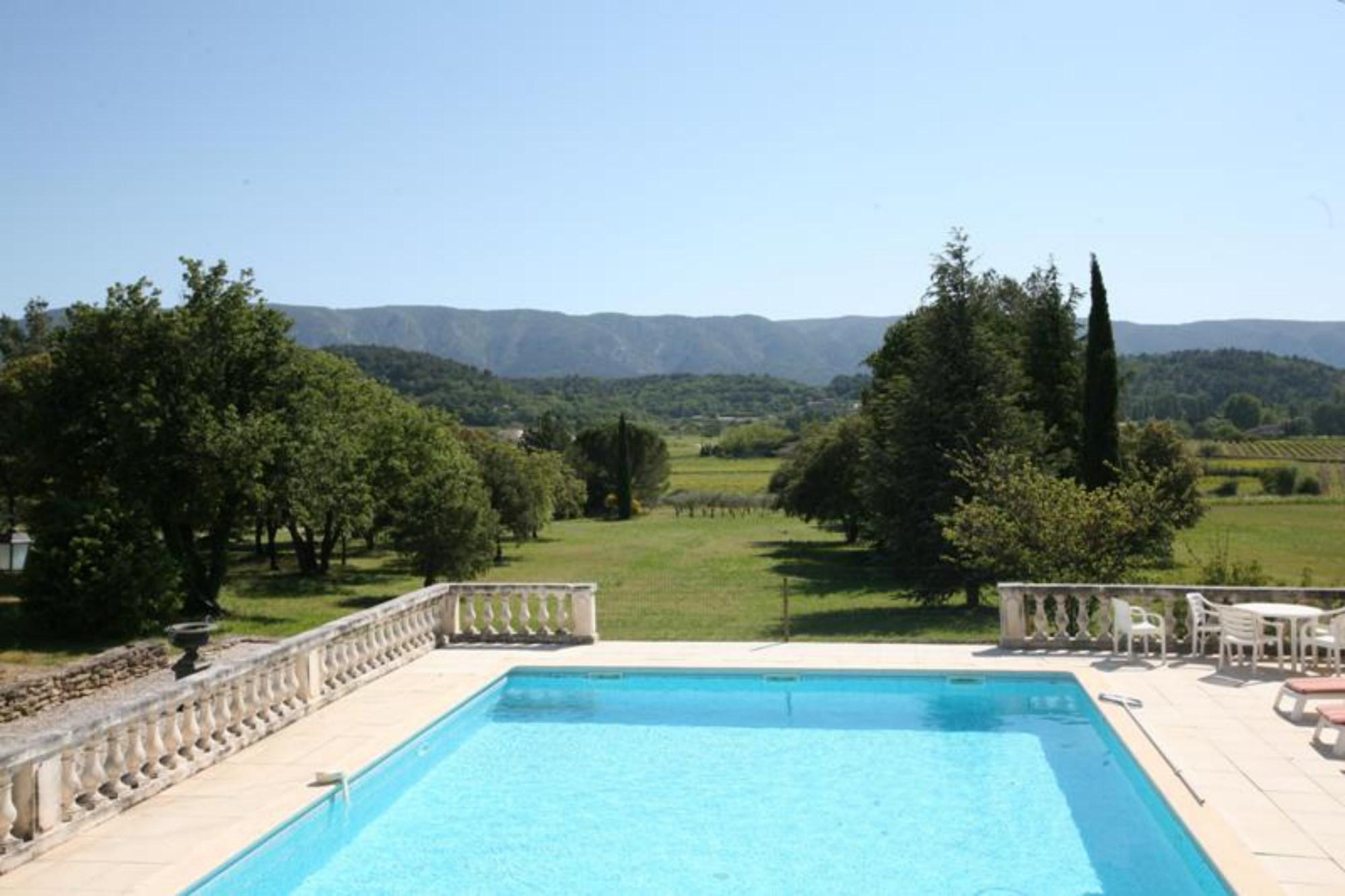 Ventes maison proven ale avec piscine et terrasse avec vue panoramique vendre en luberon - Piscine et terrasse ...
