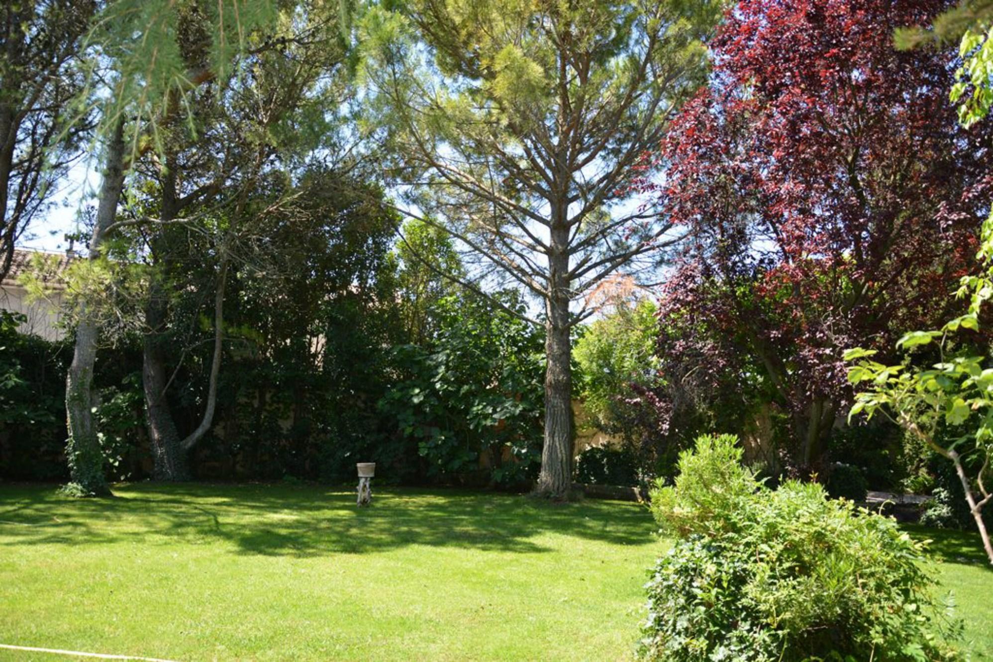 Mas et dépendances restaurés avec jardin et piscine à vendre à Pernes-les-Fontaines par ROSIER