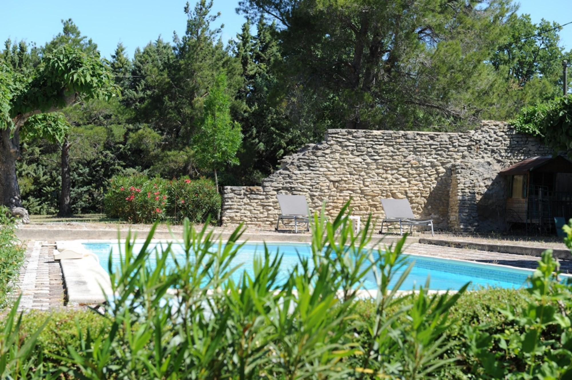 Charmant mazet en pierres à vendre en Provence