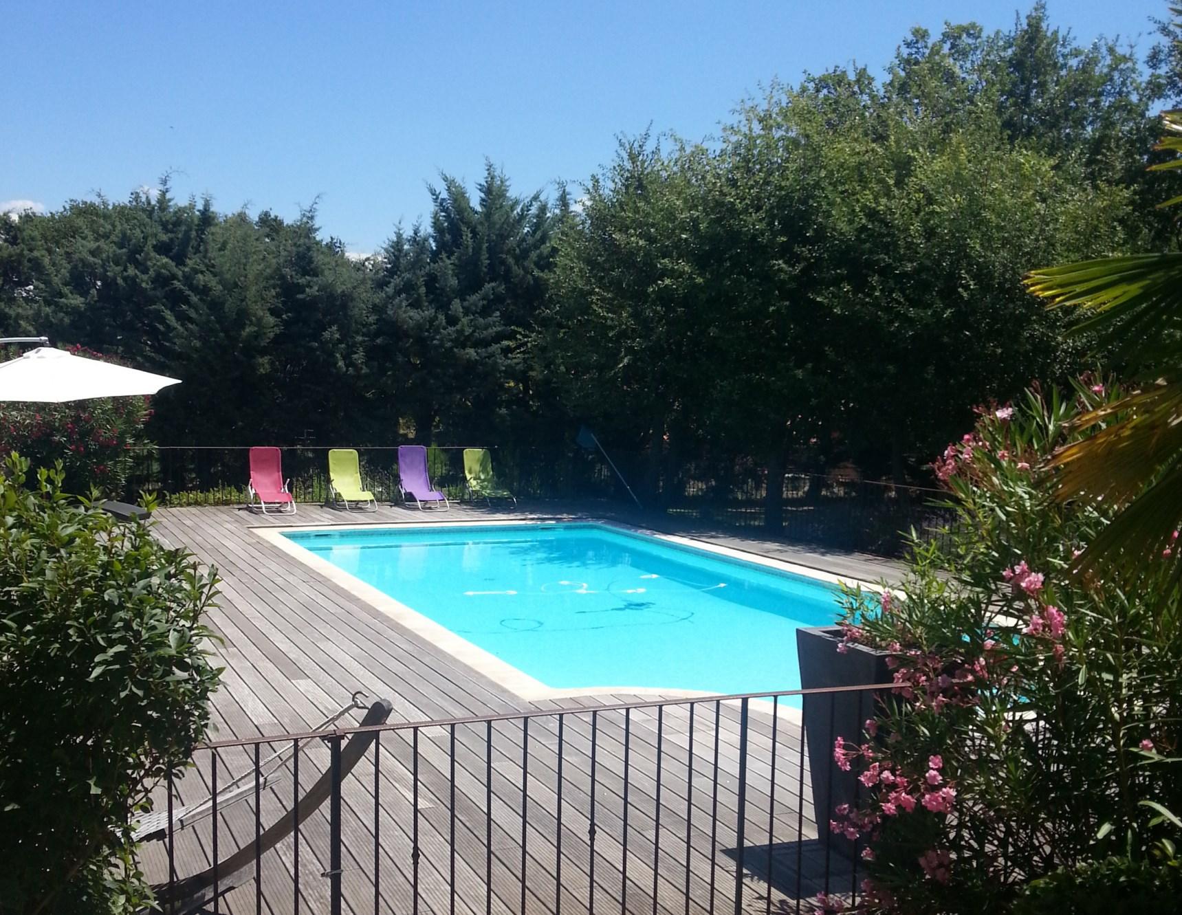 Villa traditionnelle avec piscine à vendre en Provence