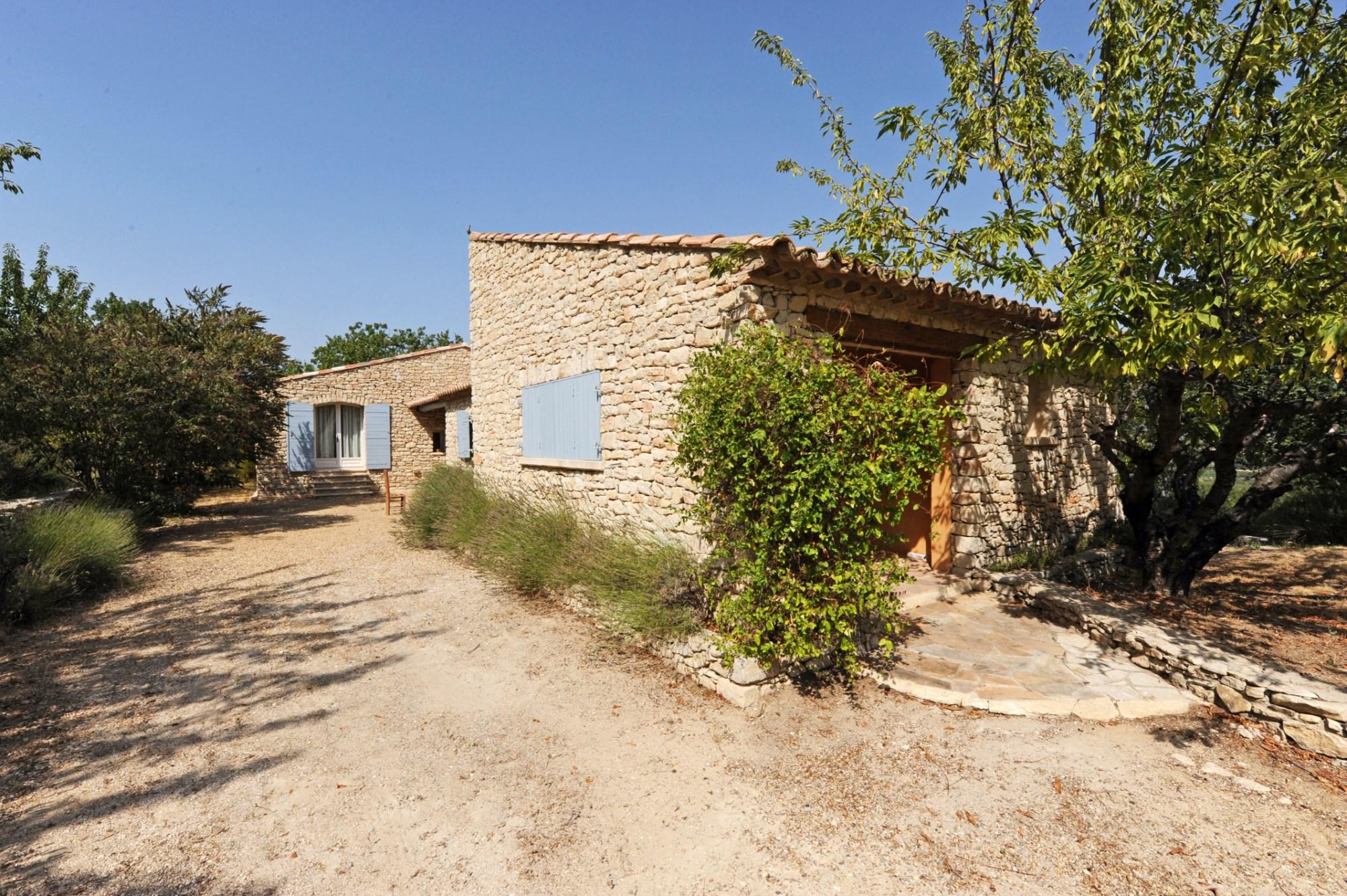 Maison en pierres de pays à vendre par ROSIER