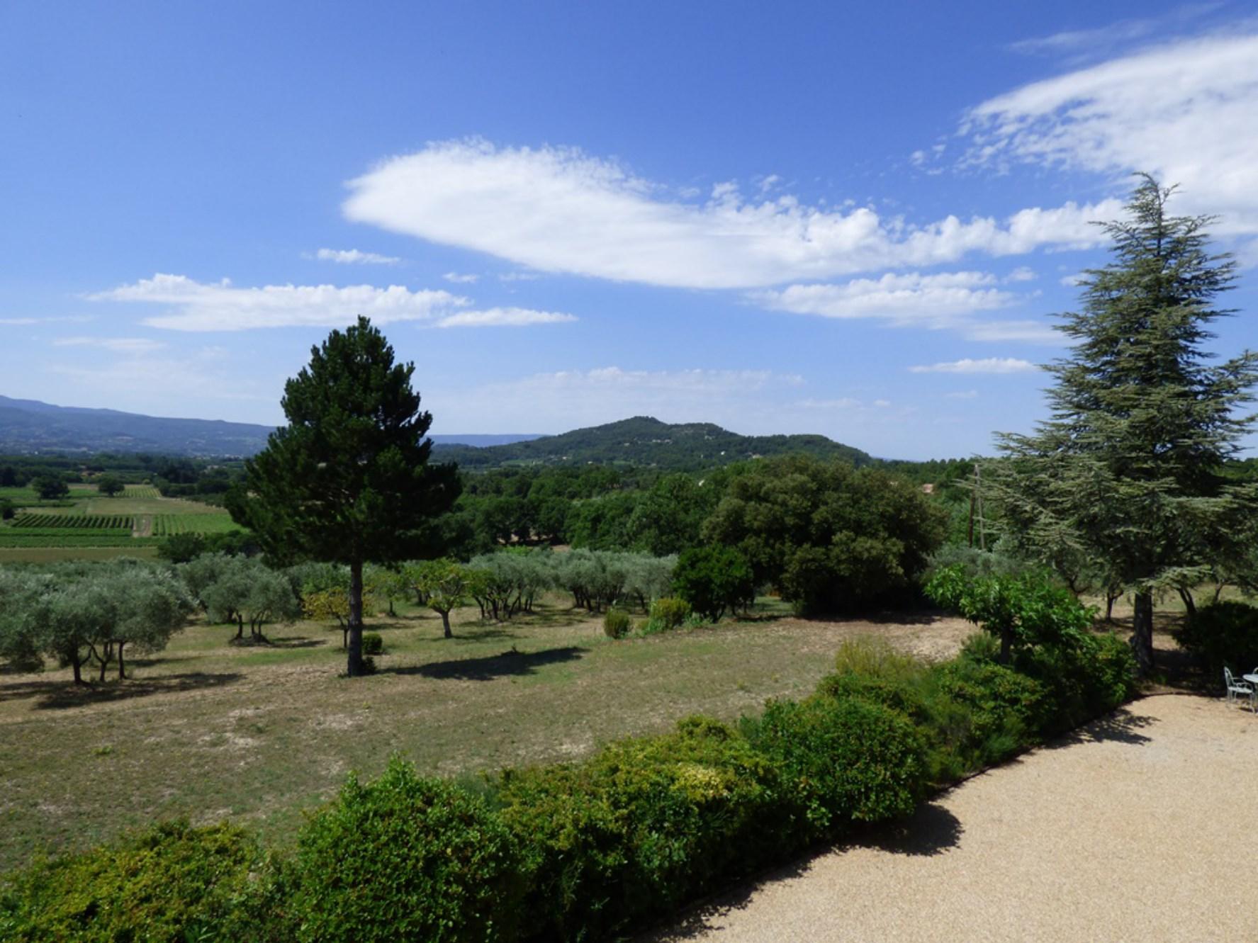 Belle villa à l'orée d'un célèbre village du Luberon à vendre