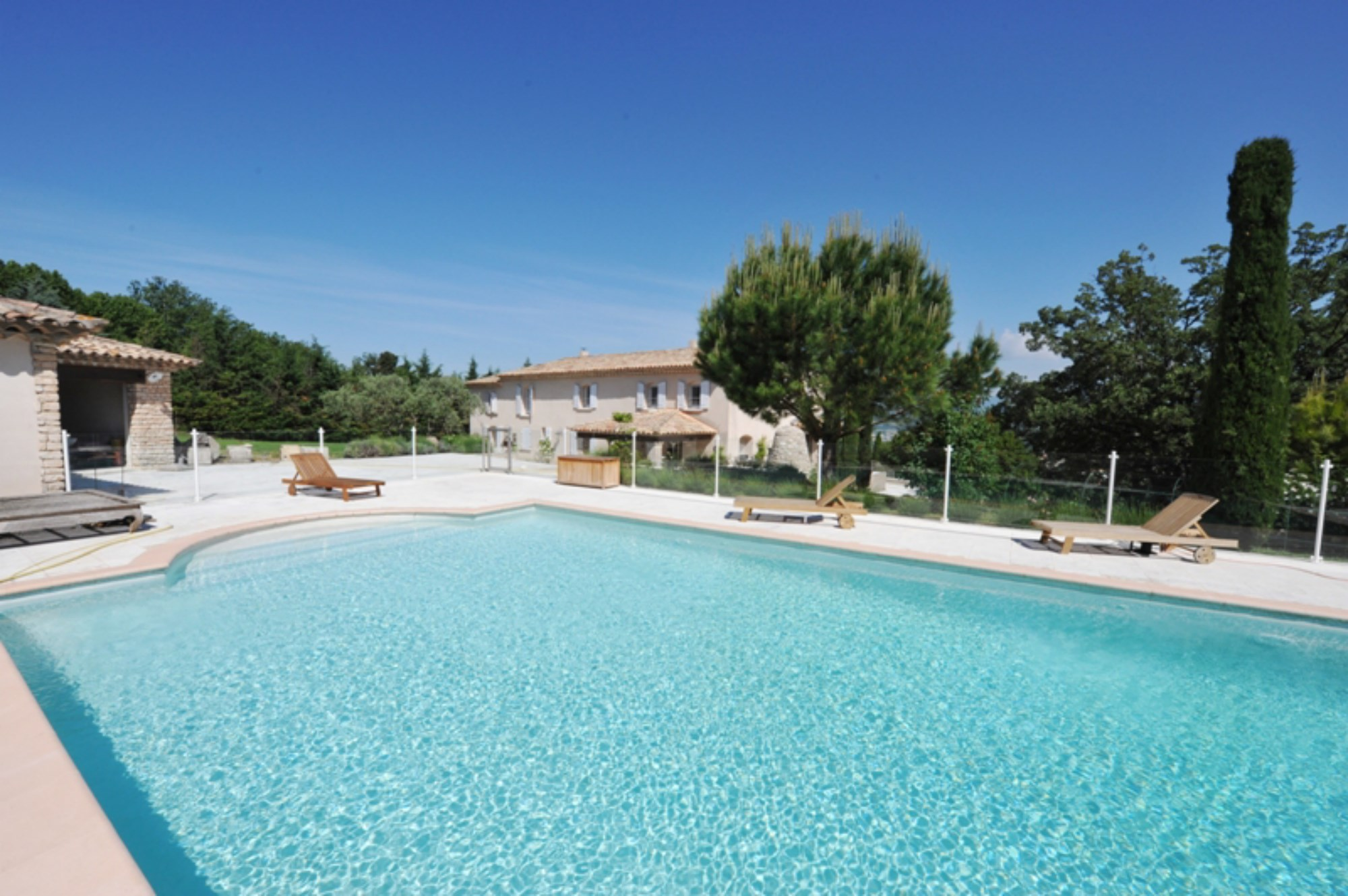 For sale on the hills exceptional provençale bastide view at 180 ...