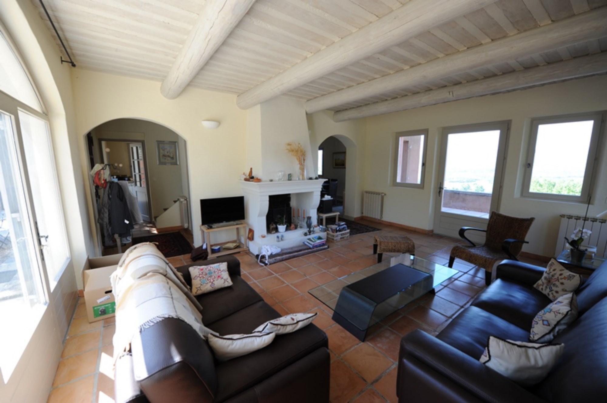 A vendre,  en Luberon, maison avec appartement,  maison d'amis, piscine et vue