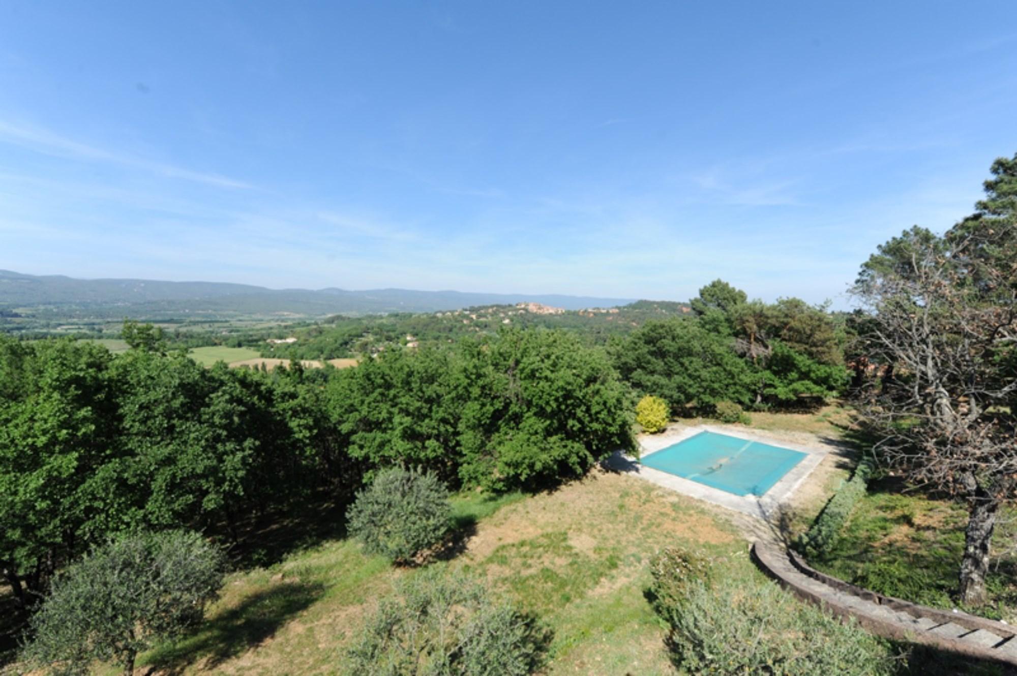 Propriété avec appartement indépendant, maison d'amis, piscine et vue à vendre
