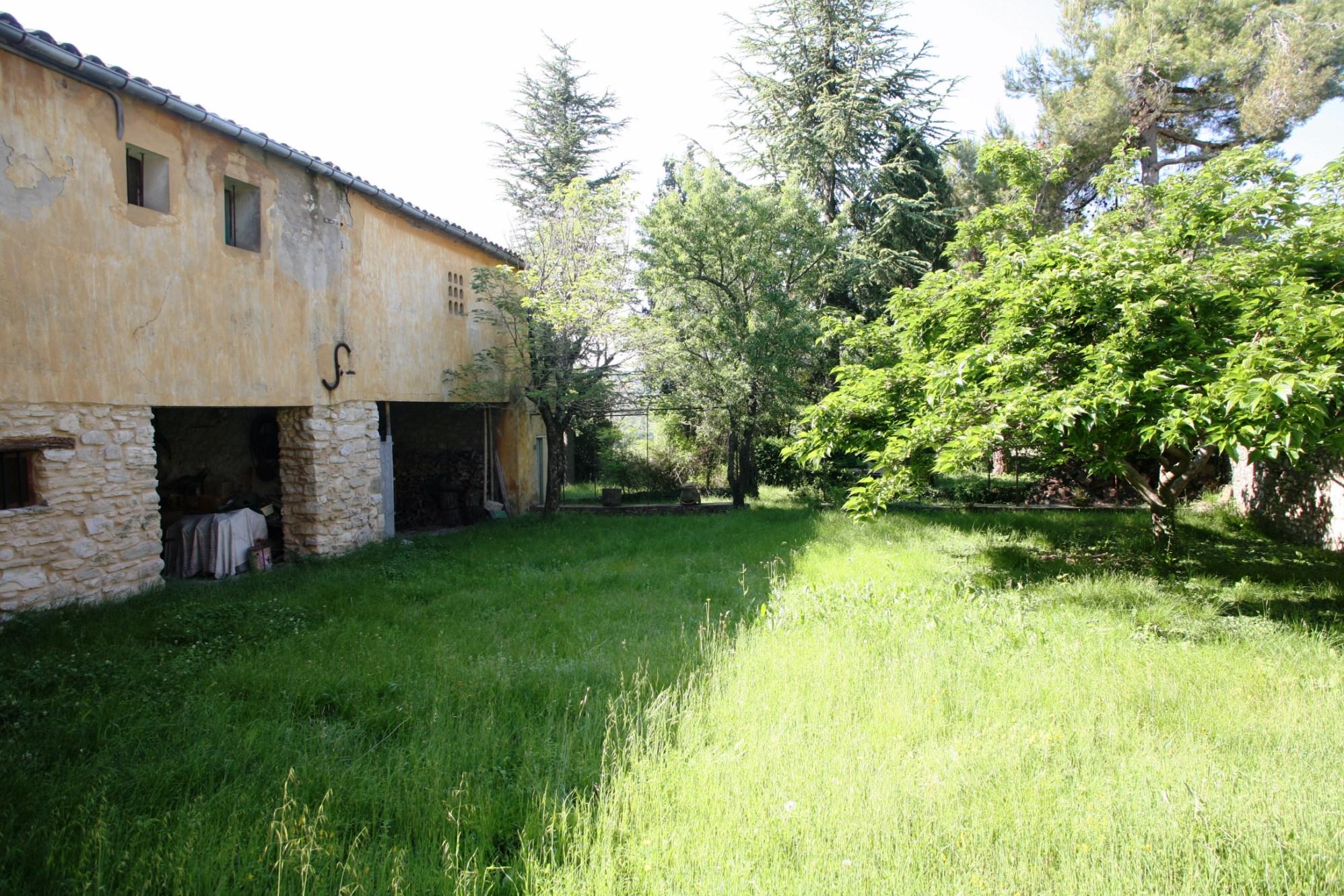 Maison à rénover dans le Luberon en Provence