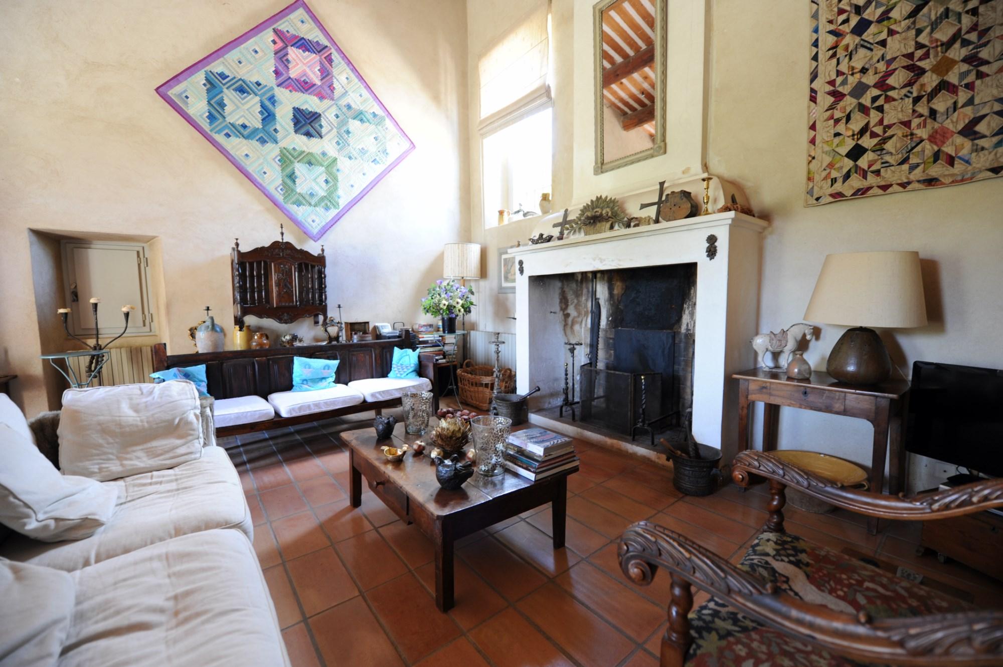 A vendre, en Luberon, agréable maison de hameau avec piscine