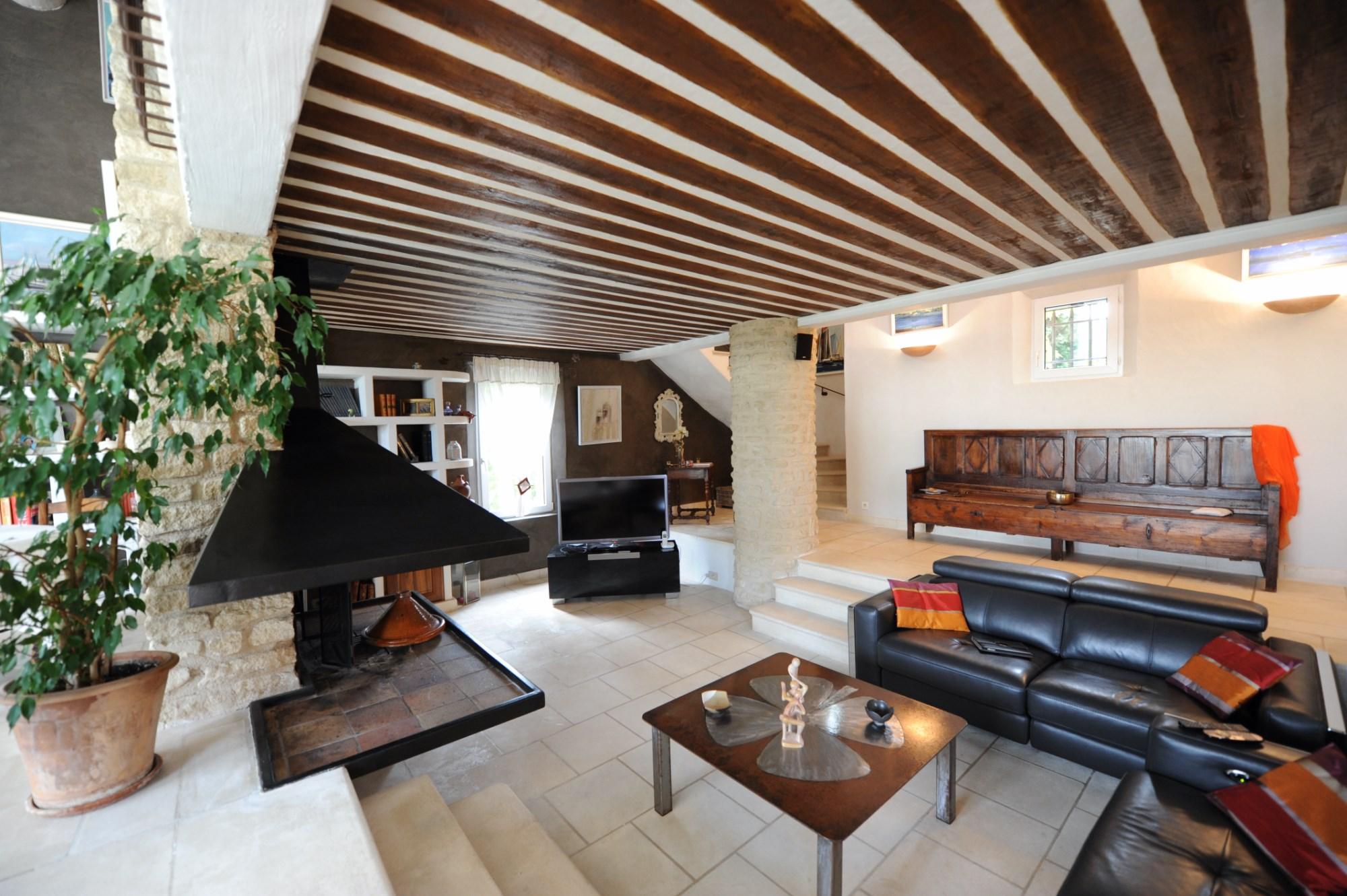 A vendre dans le Luberon Sud, villa avec vue