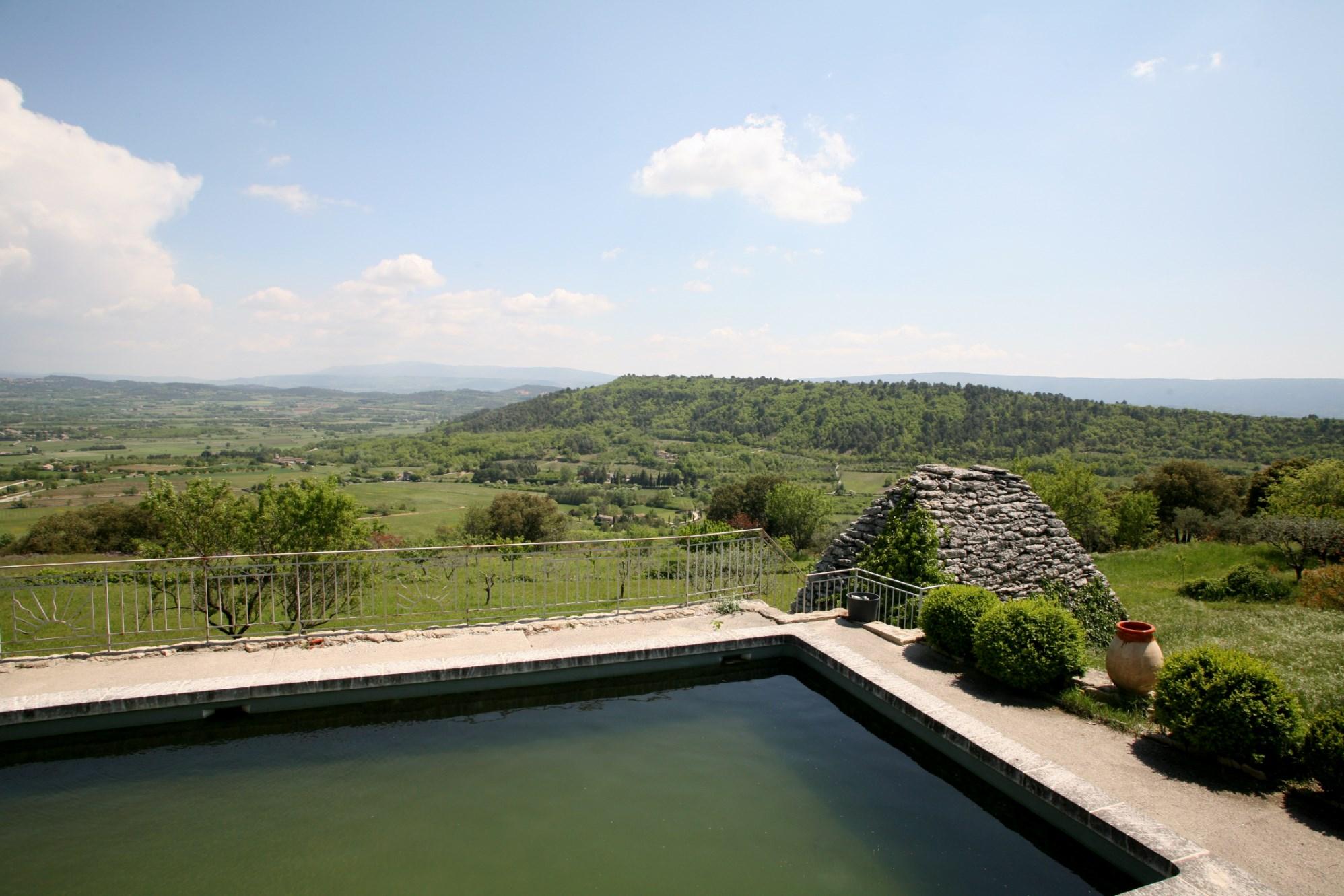 Maison en pierre avec vue à vendre en Provence