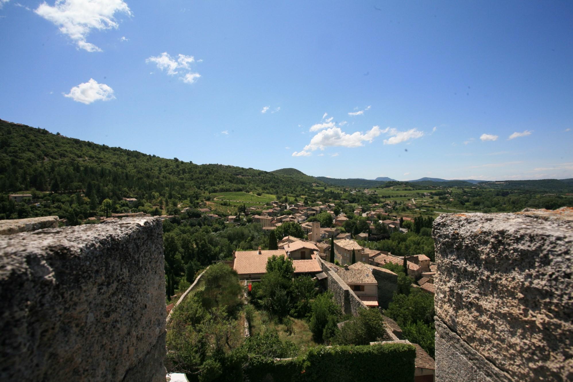 Château avec vue en Provence à la vente