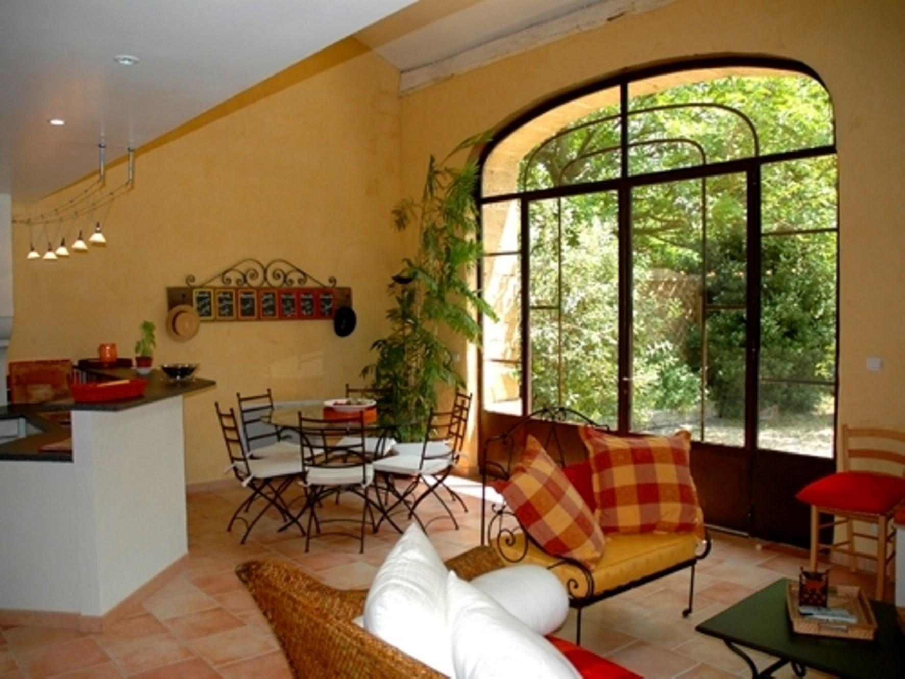 A vendre en Pays des Sorgues, en Provence, beau mas avec piscine