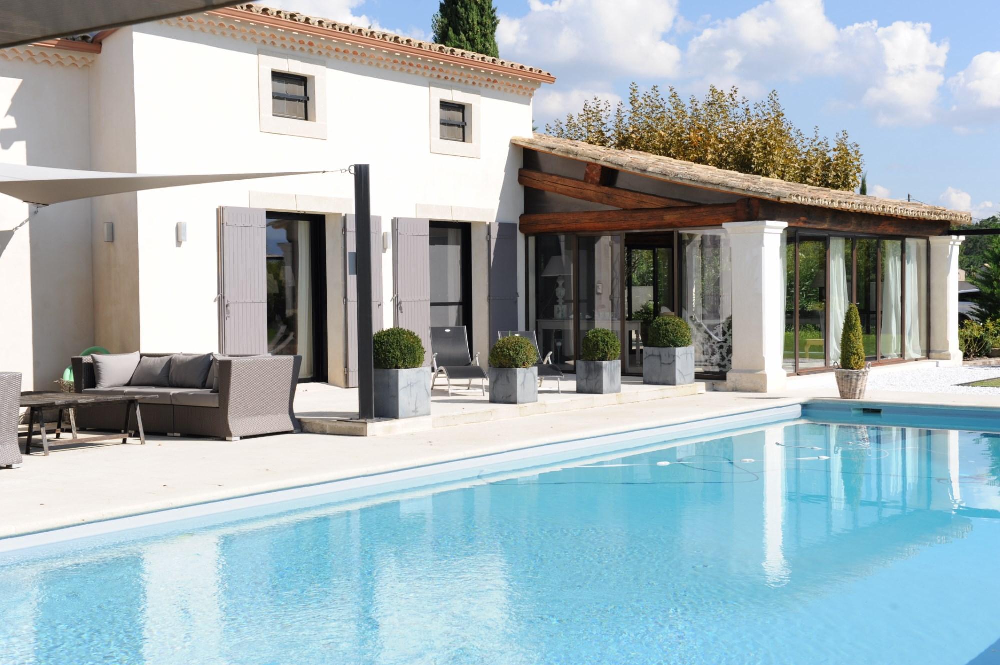 Propriété avec piscine en vente en Provence
