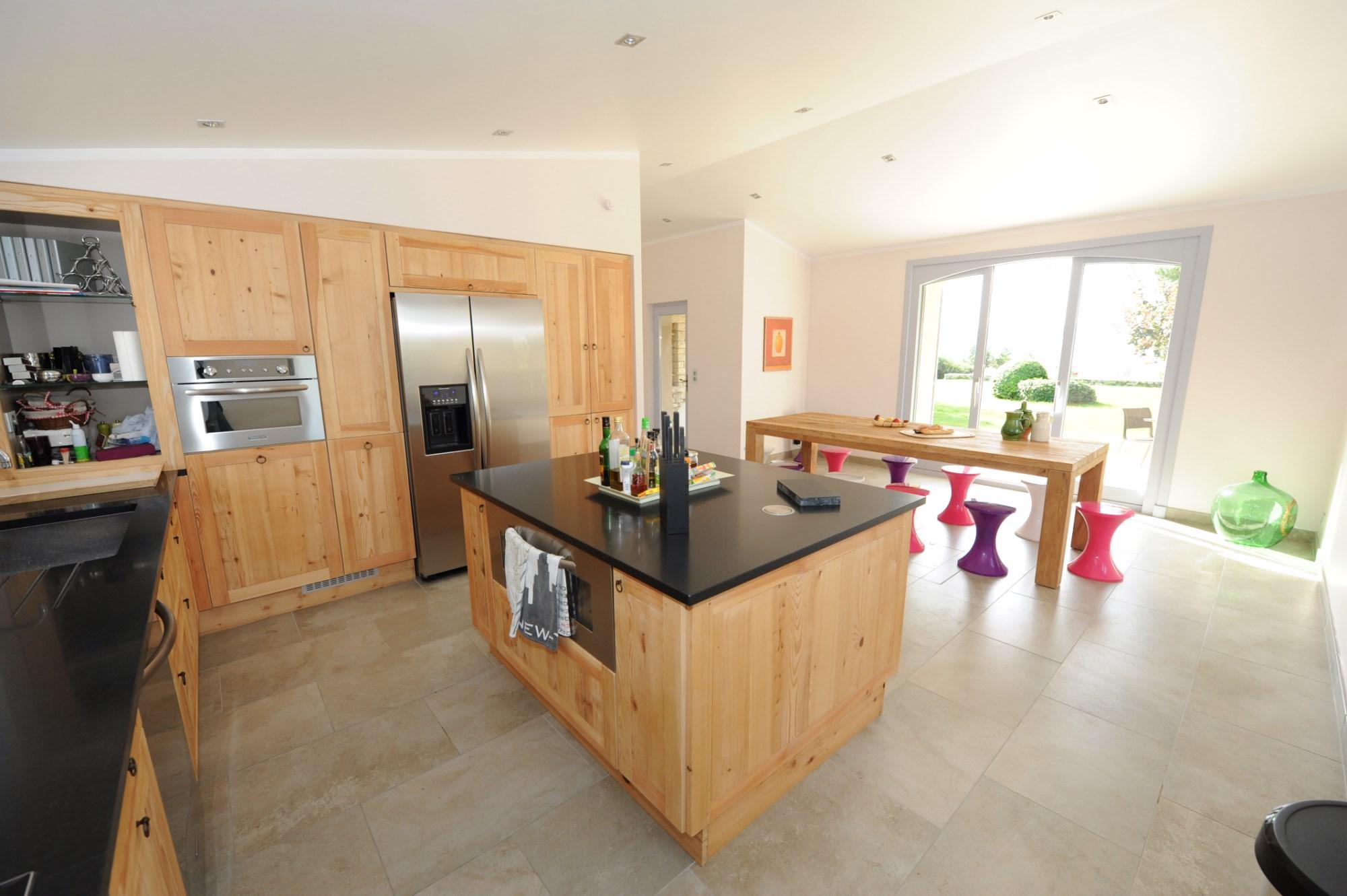 ventes en luberon vendre grand mas de famille avec piscine et d pendances agence rosier. Black Bedroom Furniture Sets. Home Design Ideas
