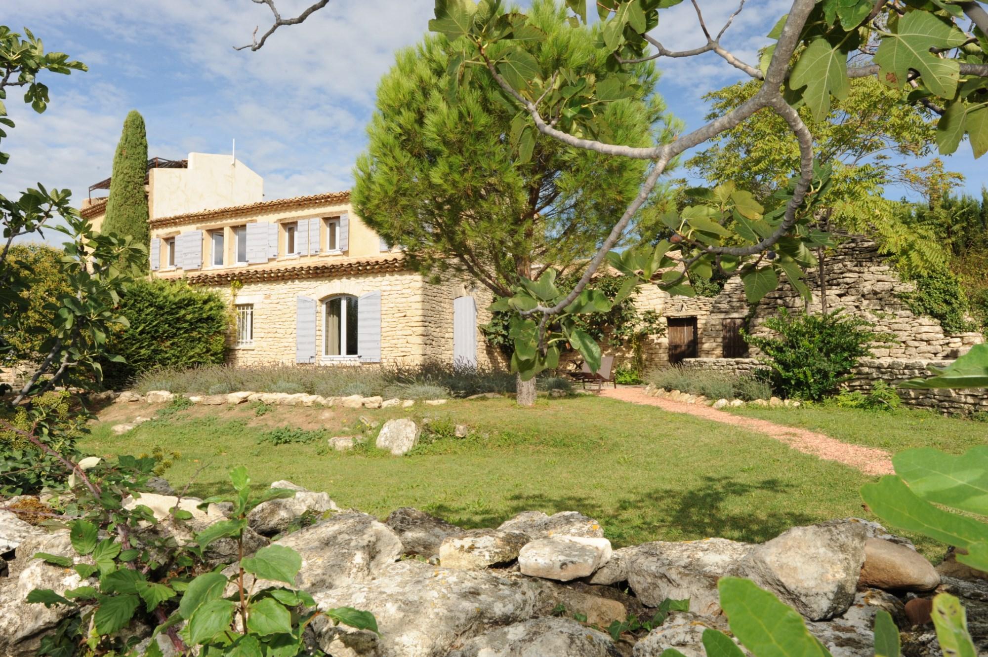Belle propriété en pierres en Luberon