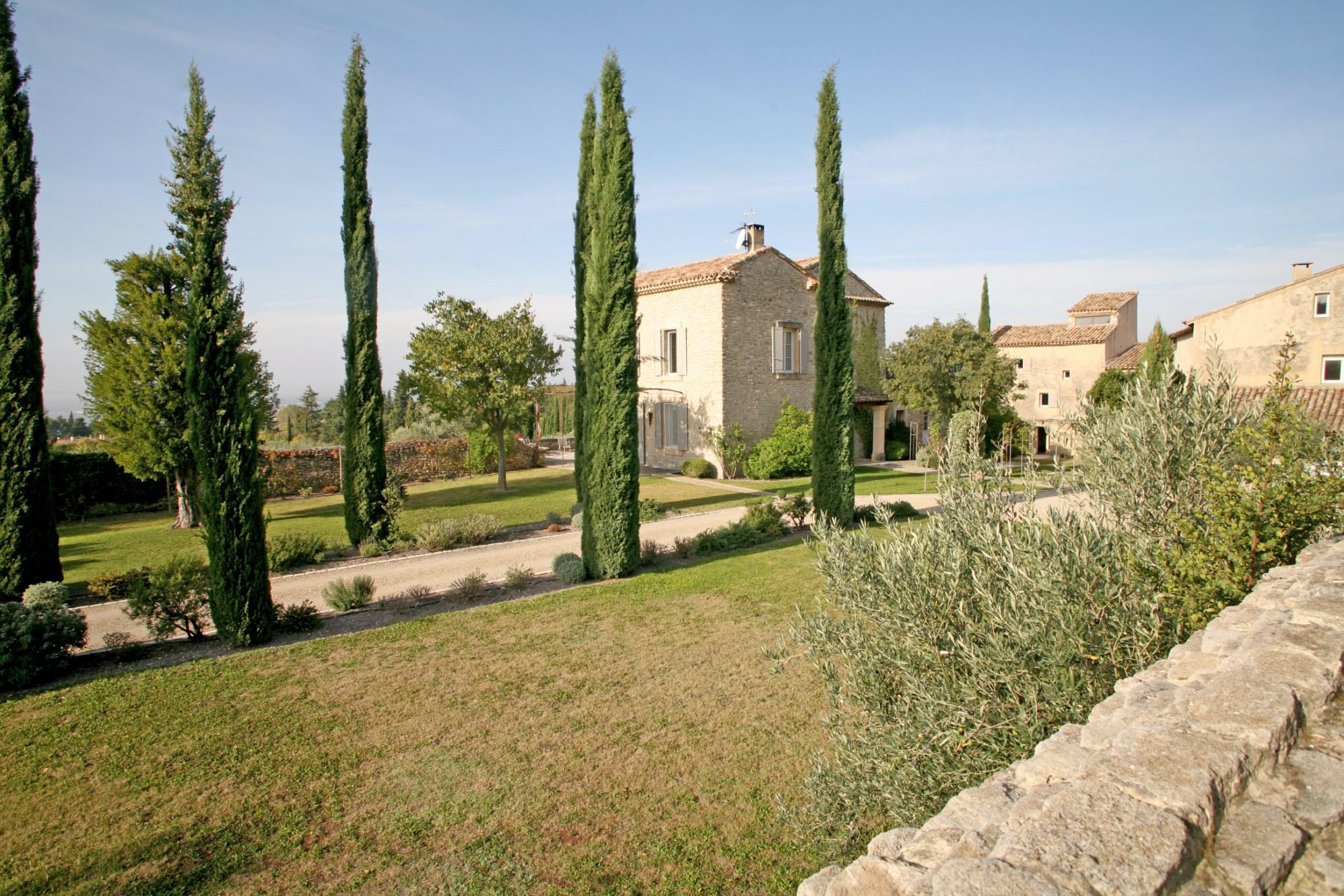 Belle propriété sur plus de 7 hectares en Provence