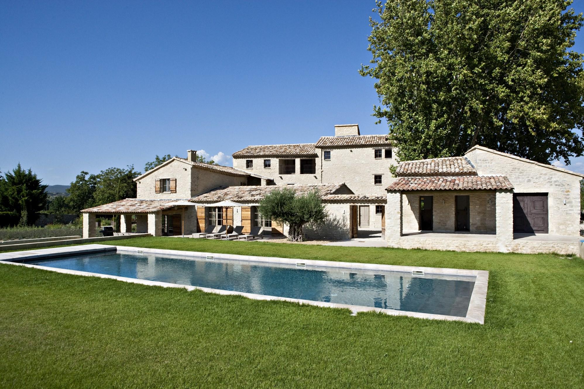 Belle Bastide en pierres rénovée avec piscine en Luberon