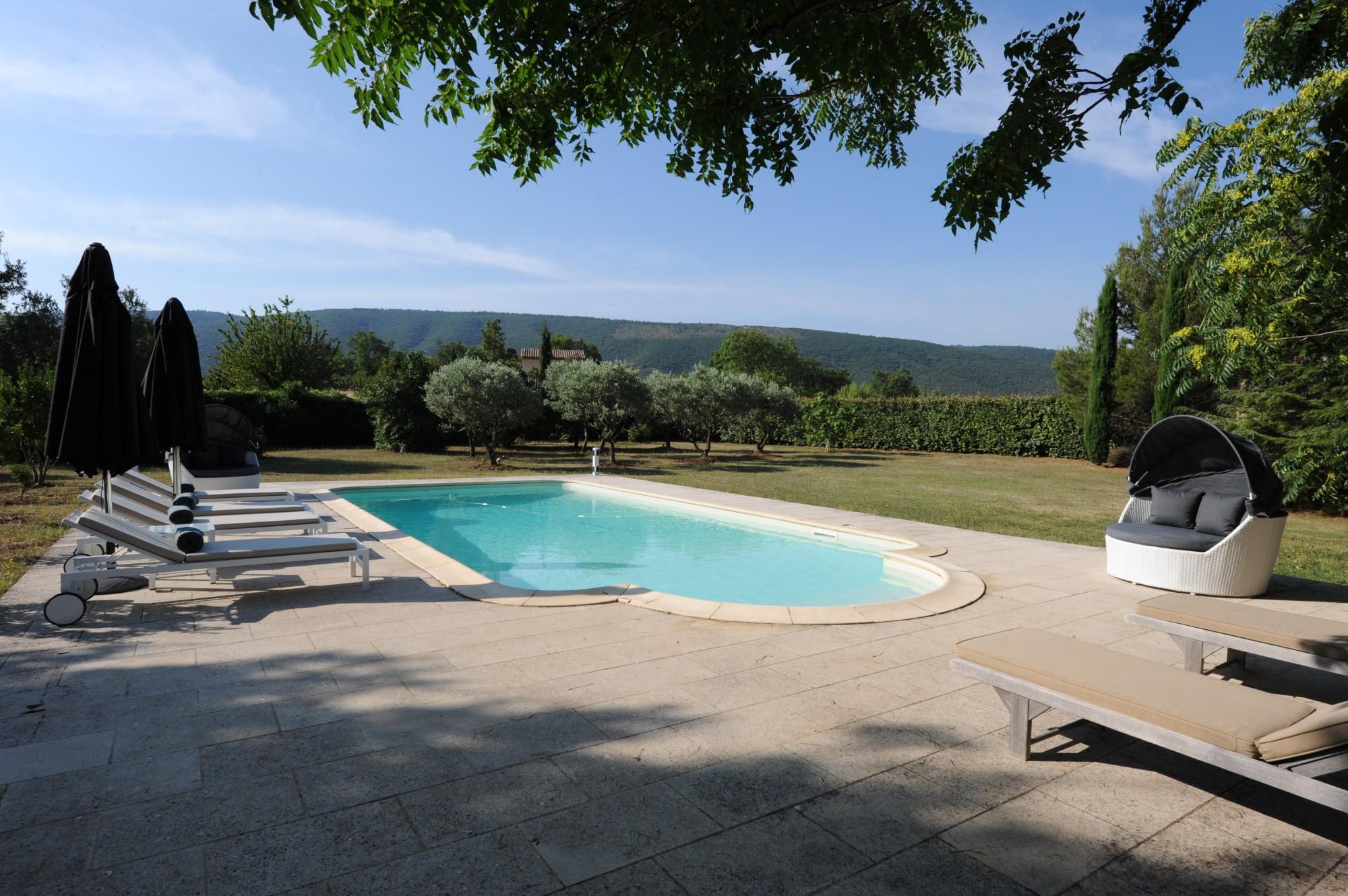 Villa de plain pied avec piscine à vendre en Luberon
