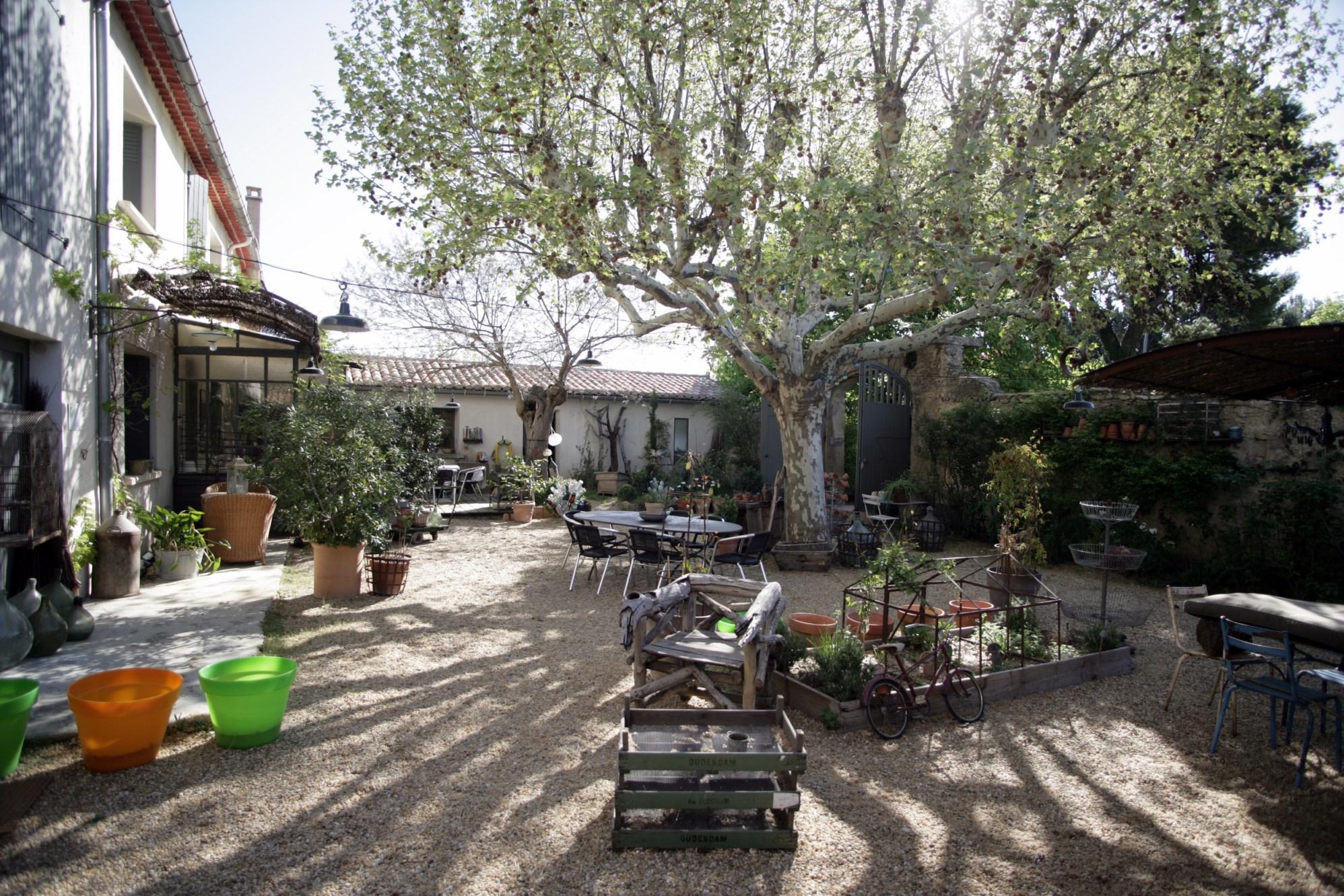 Très beau mas restauré avec dépendances à vendre en Luberon