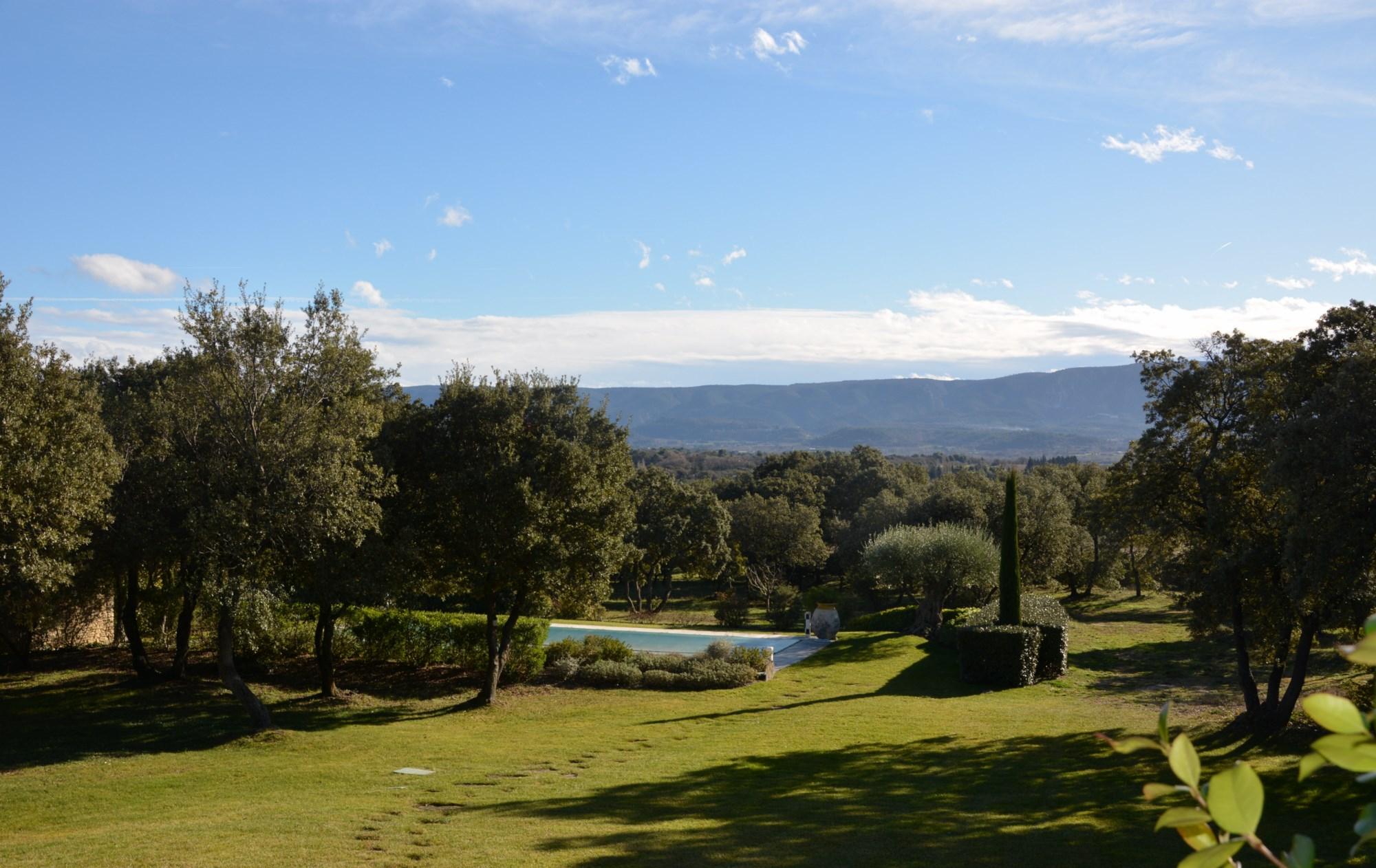 Maison récente avec vue panoramique à vendre en Luberon