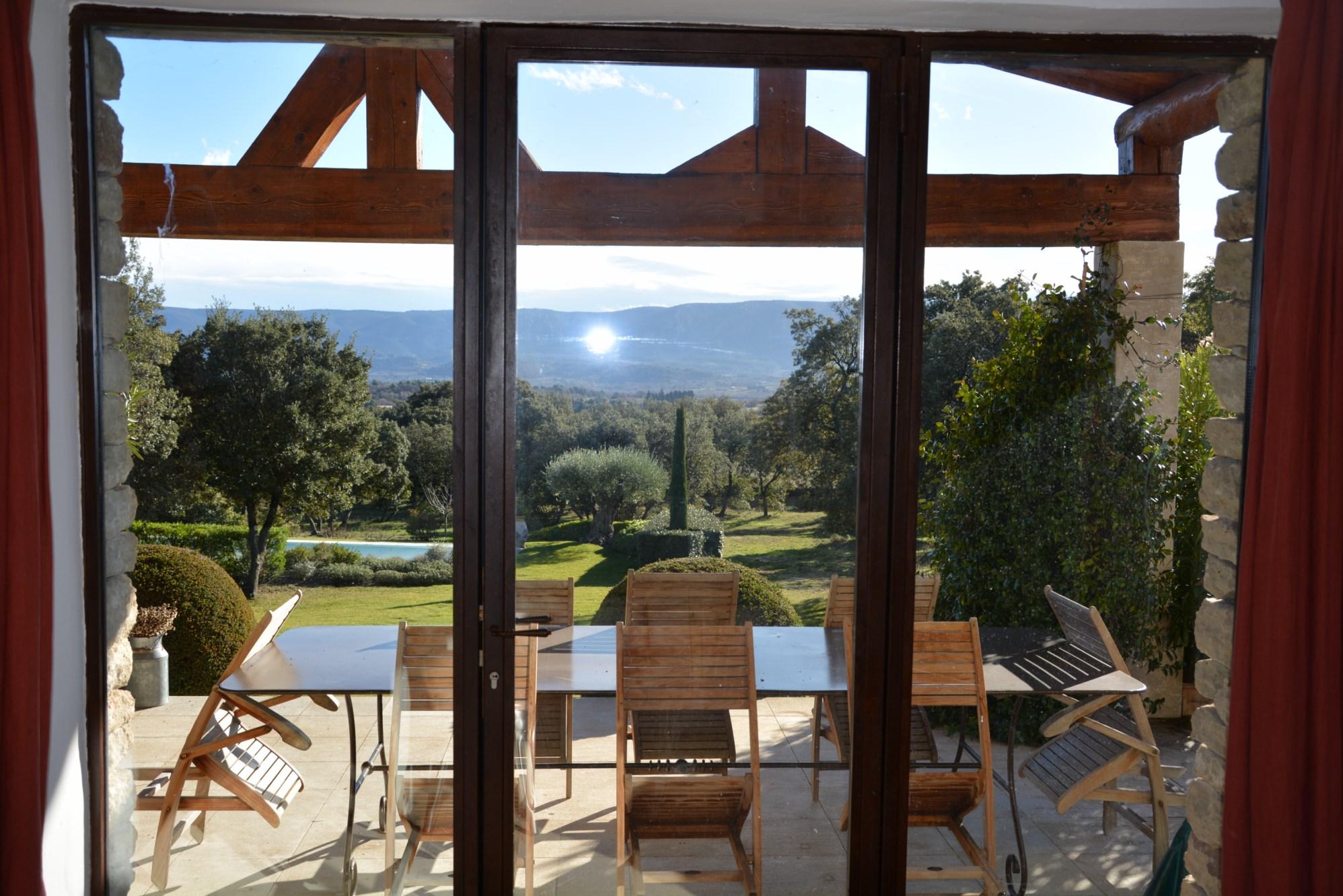 Maison récente avec vue panoramique à vendre en Provence