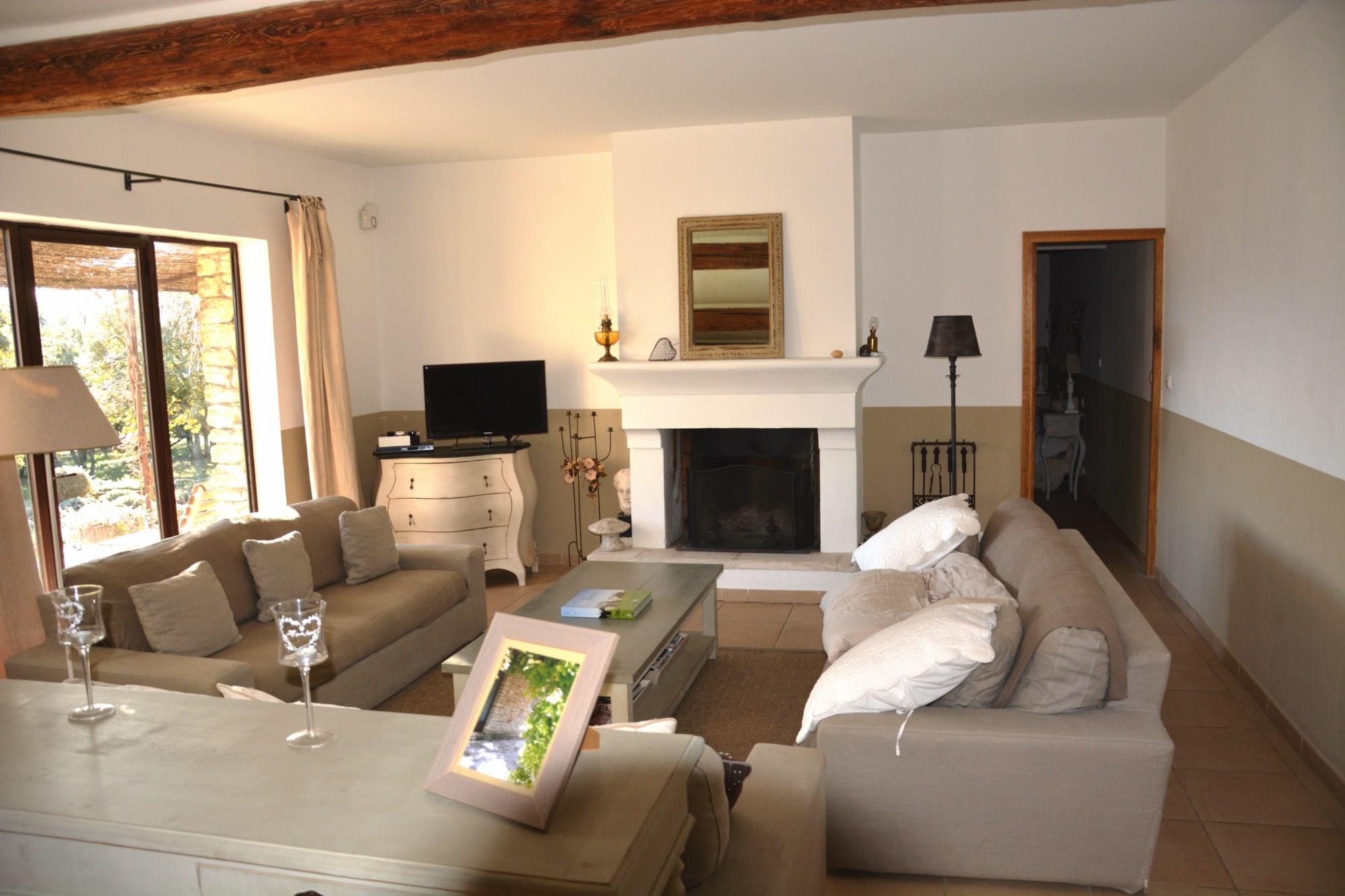 En vente en Luberon, villa récente avec vue panoramique et piscine
