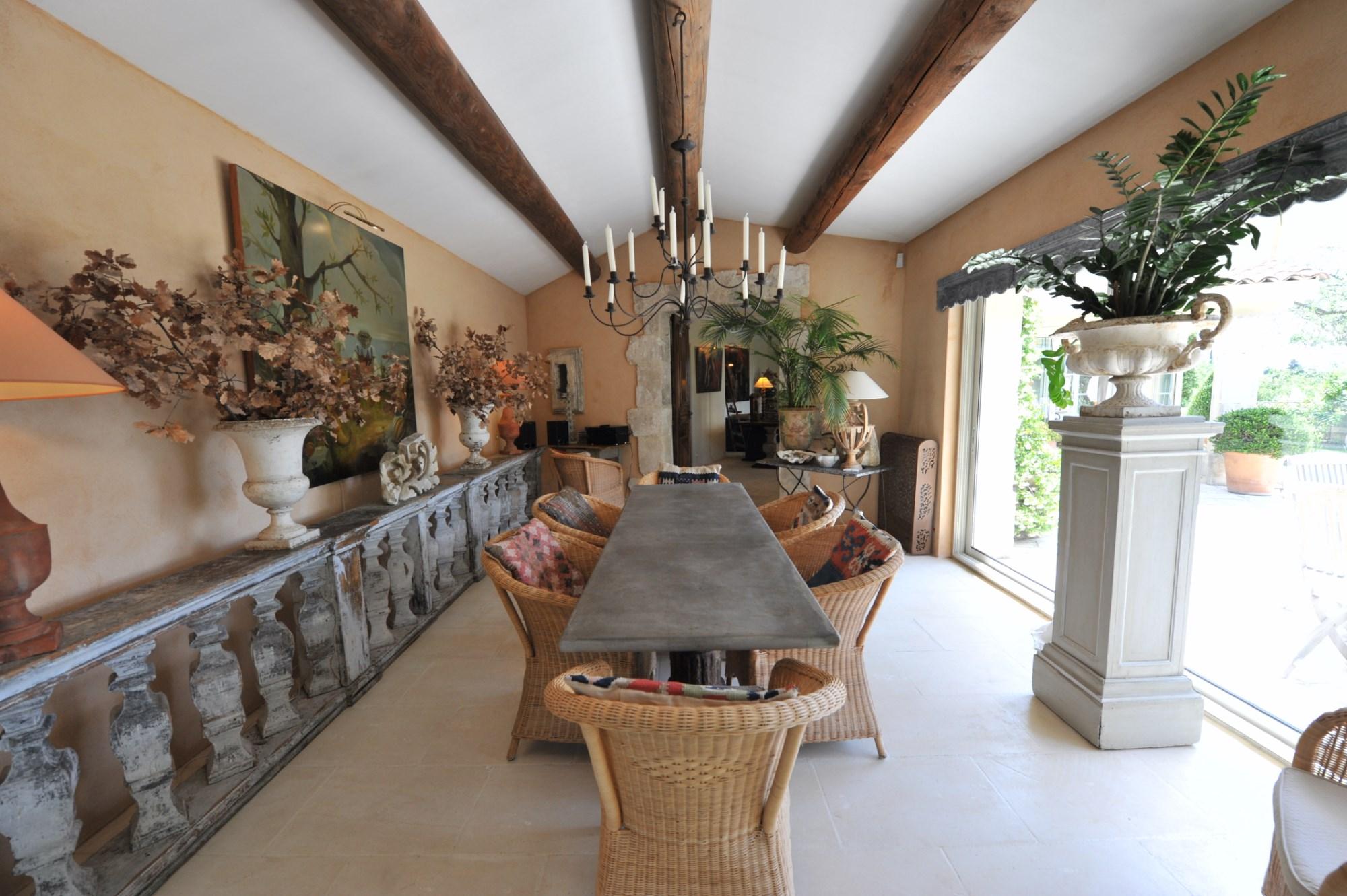 Maison de charme à vendre à l'orée du village de Gordes en Luberon