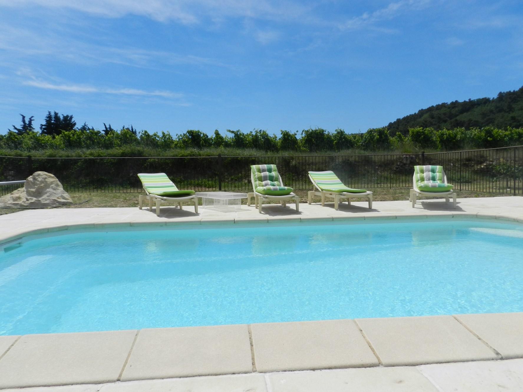 Maison avec piscine et vue à vendre en Lubero