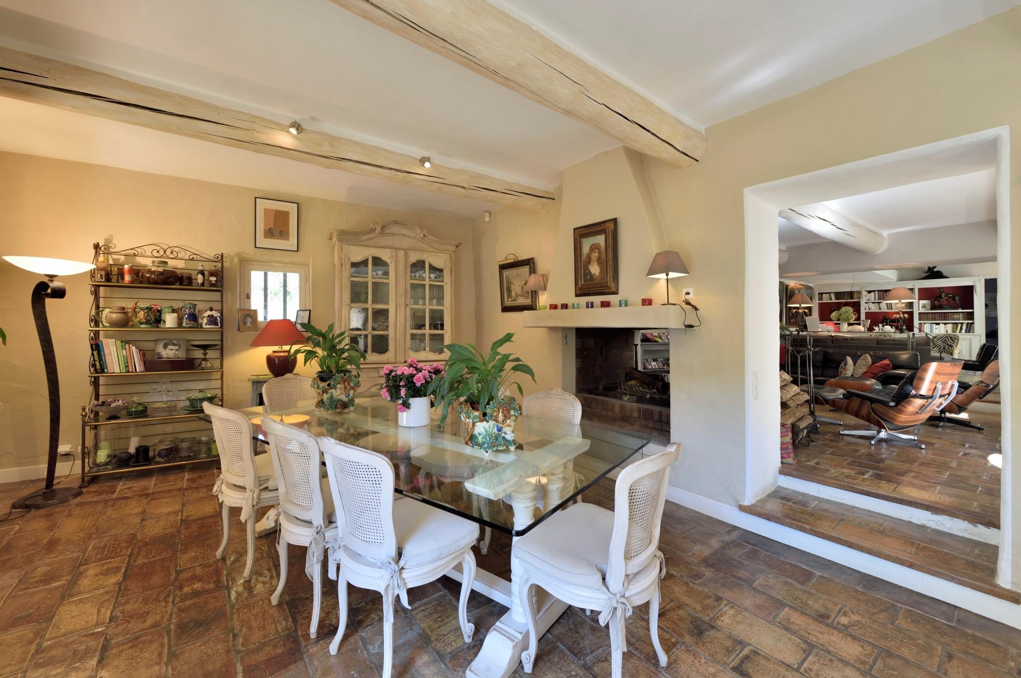Intérieur charmant et soigné pour cette très belle maison du Luberon