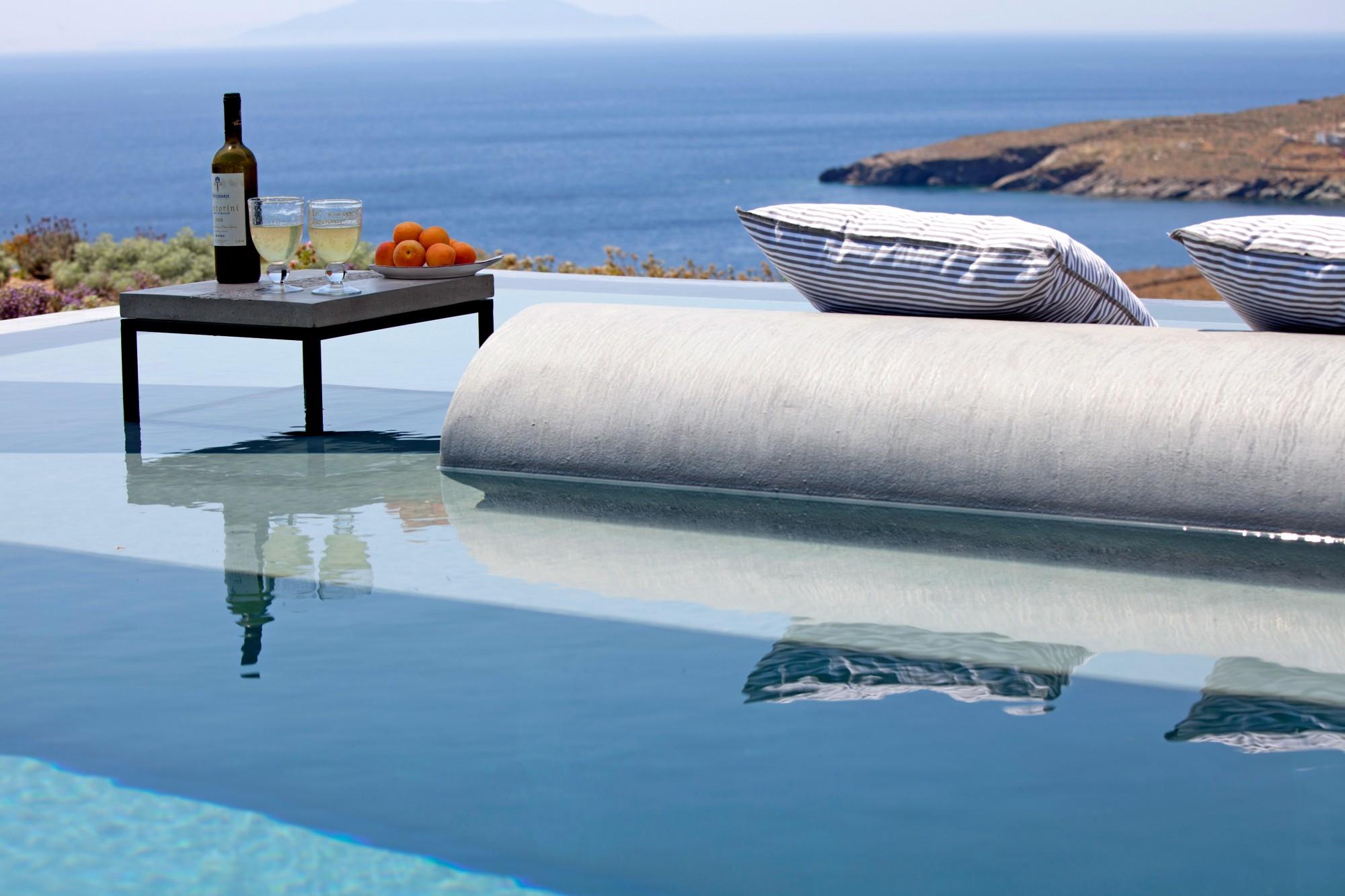 Villa contemporaine au bord de la mer