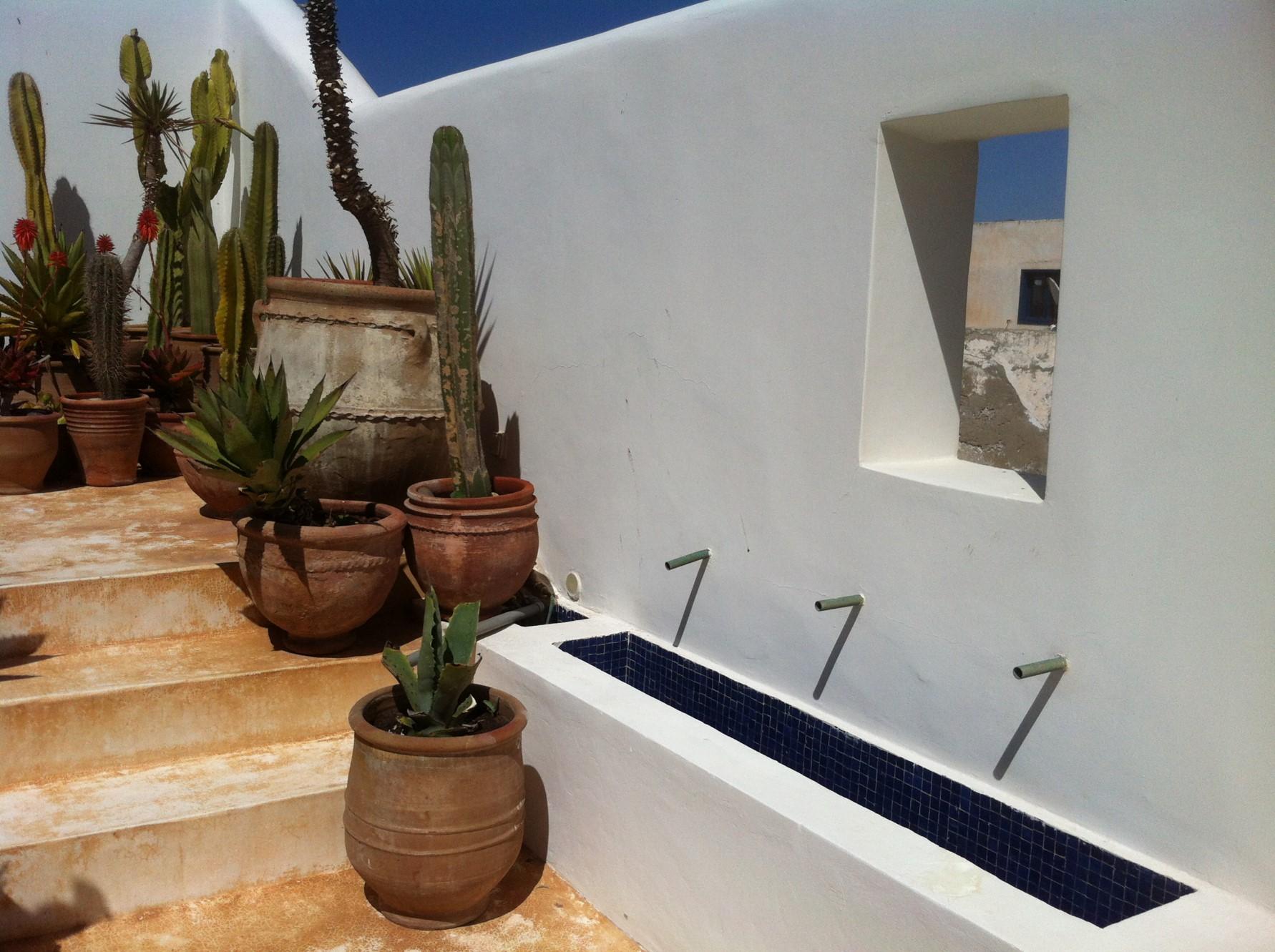 Au Maroc, à vendre, maison de caractère avec toit terrasse et vue