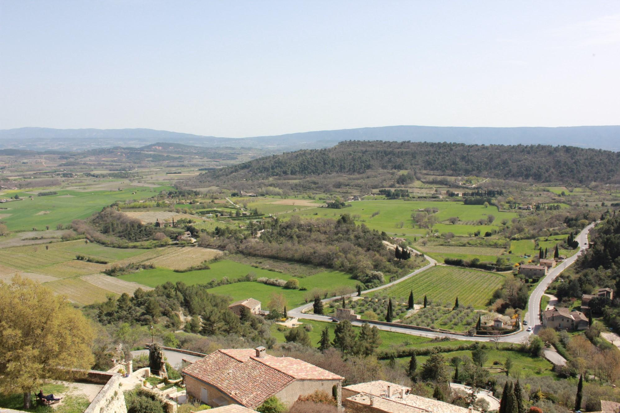 Maison de village avec vue superbe sur la vallée du Luberon
