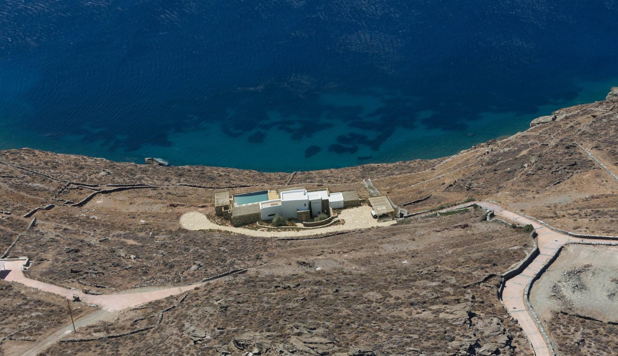 En Grèce, à vendre,  superbe villa face à la mer avec 6 chambres et piscine