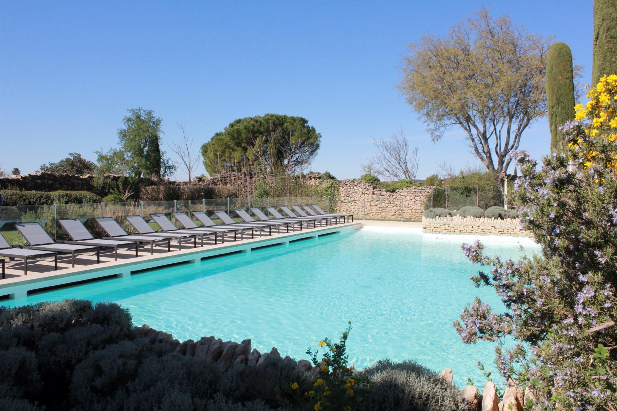 Appartement à vendre à Gordes avec accès piscine commune