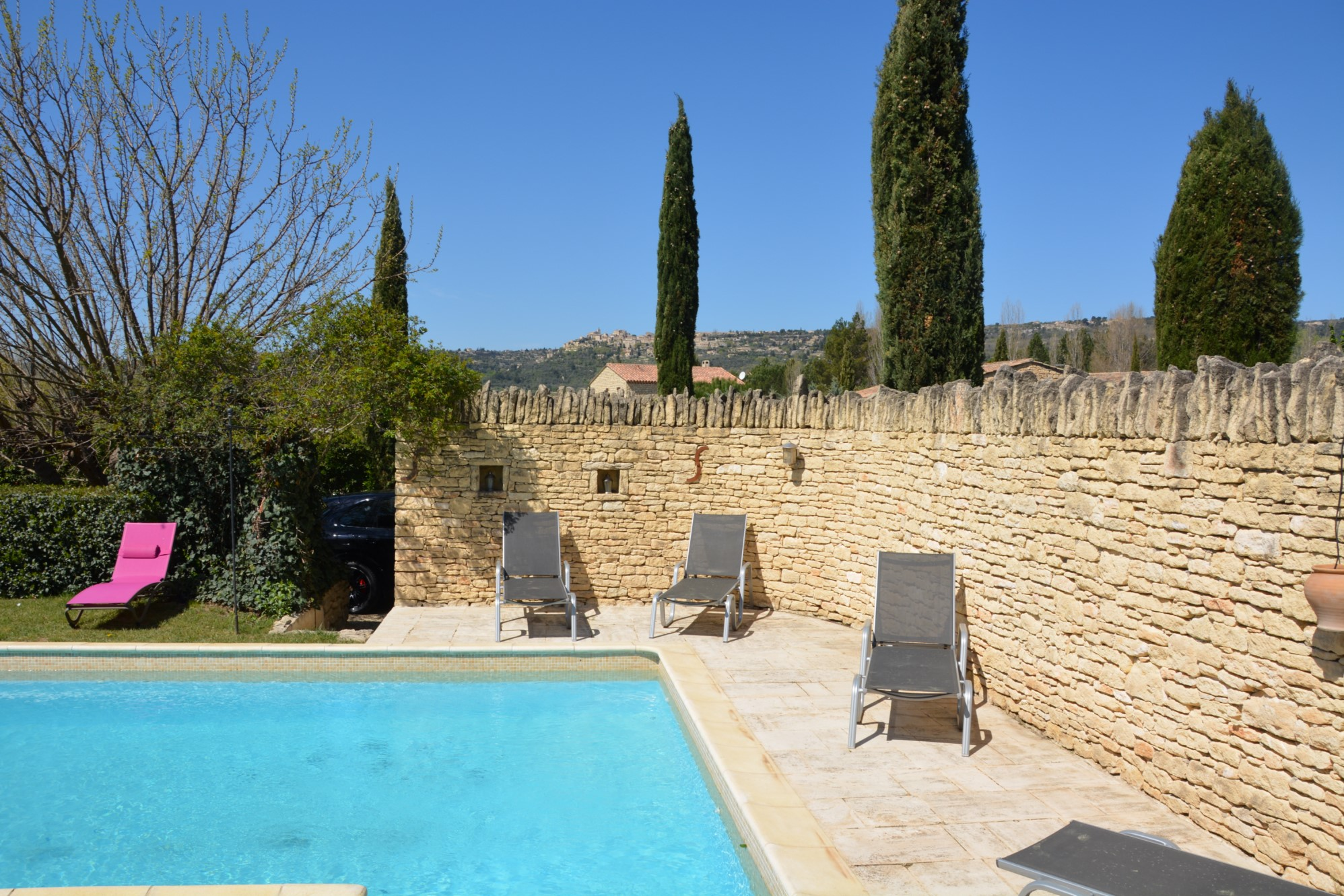 Maison de hameau avec piscine à vendre dans le Luberon