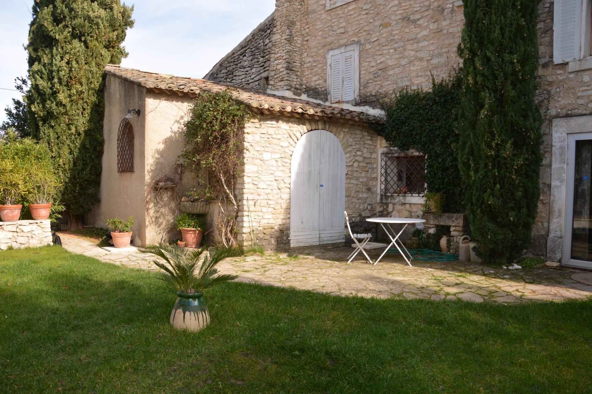 Authentique maison de hameau à vendre en Provence