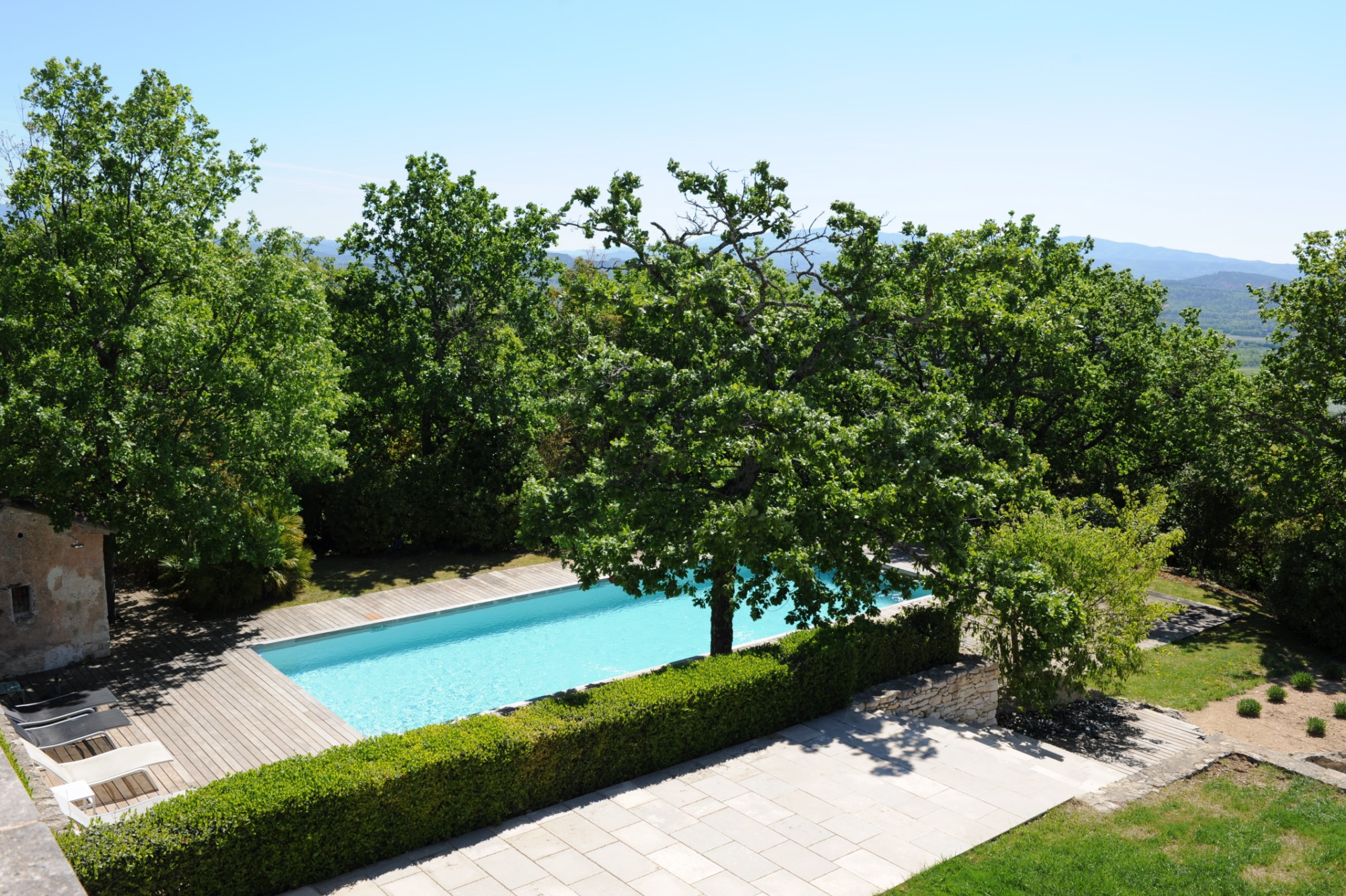 Exceptional contemporary property for sale in Gordes in Luberon